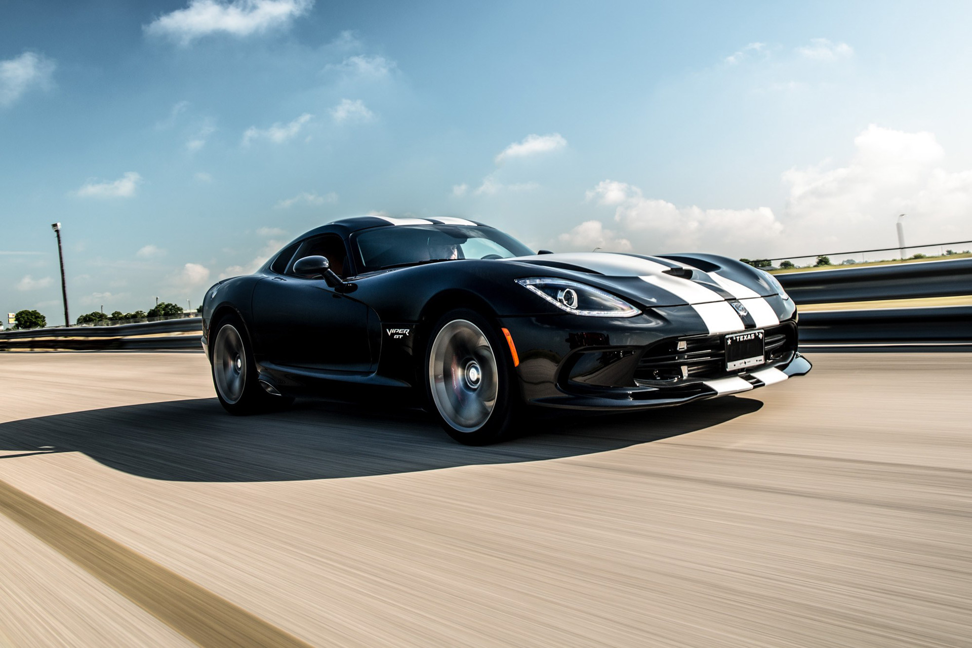 Hennessey does what Dodge won't: Supercharge the Viper