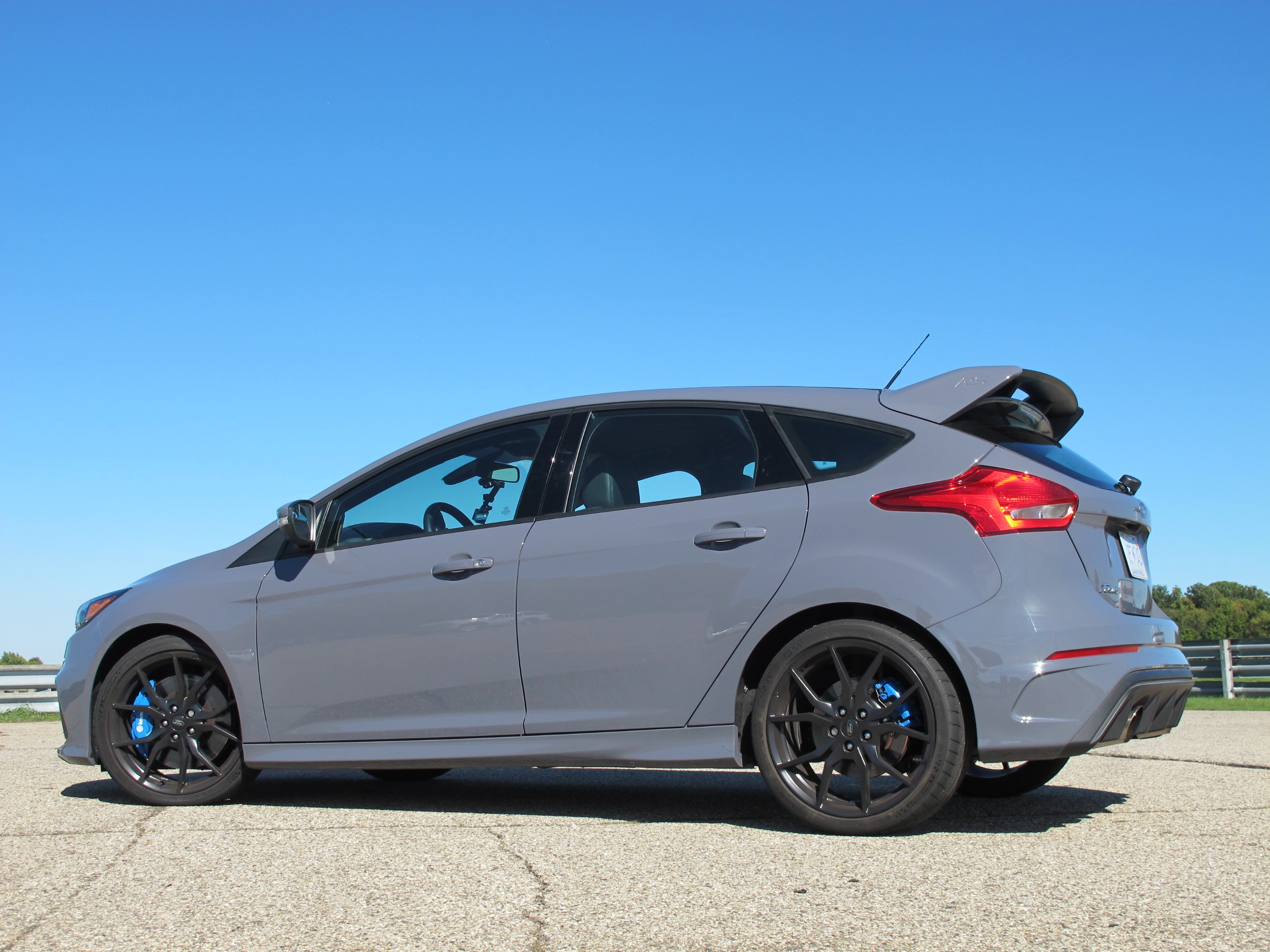 motorauthority 2016 ford focus rs first drive review all about ford. Black Bedroom Furniture Sets. Home Design Ideas