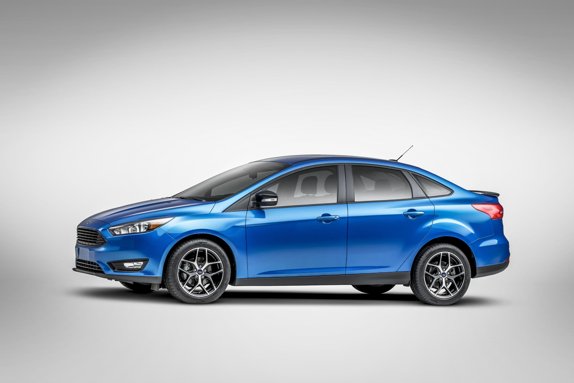 2016 ford focus gas mileage the car connection. Cars Review. Best American Auto & Cars Review