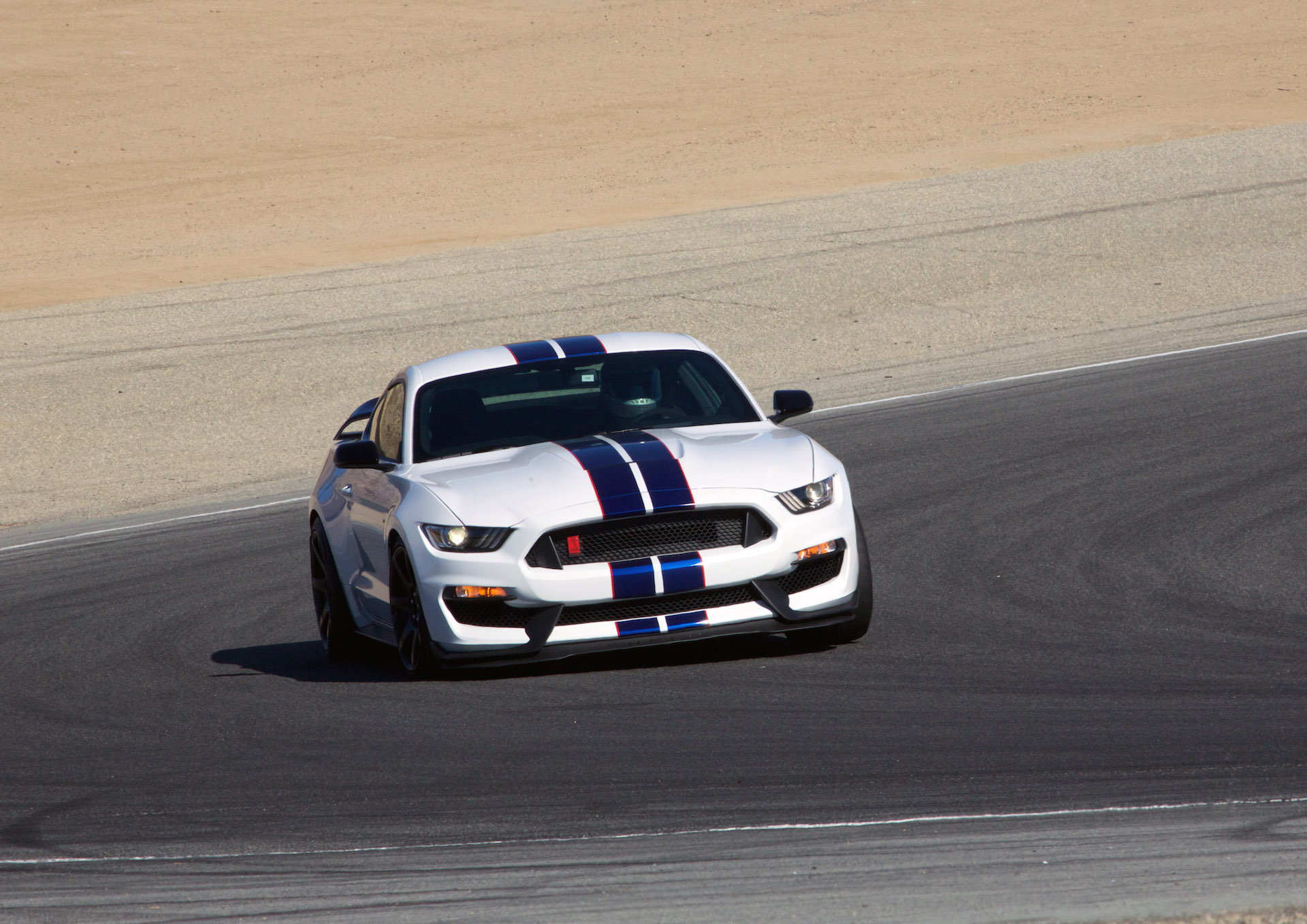 Gt350r Review >> 2016 Ford Mustang Shelby GT350R first drive review