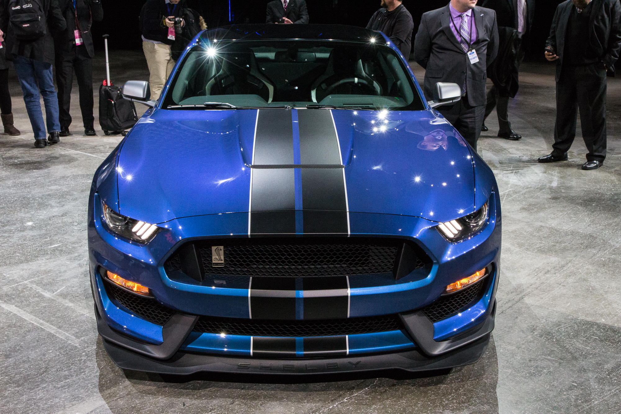 2016 Ford Mustang Shelby GT350R Sounds Brutally Beautiful: Video