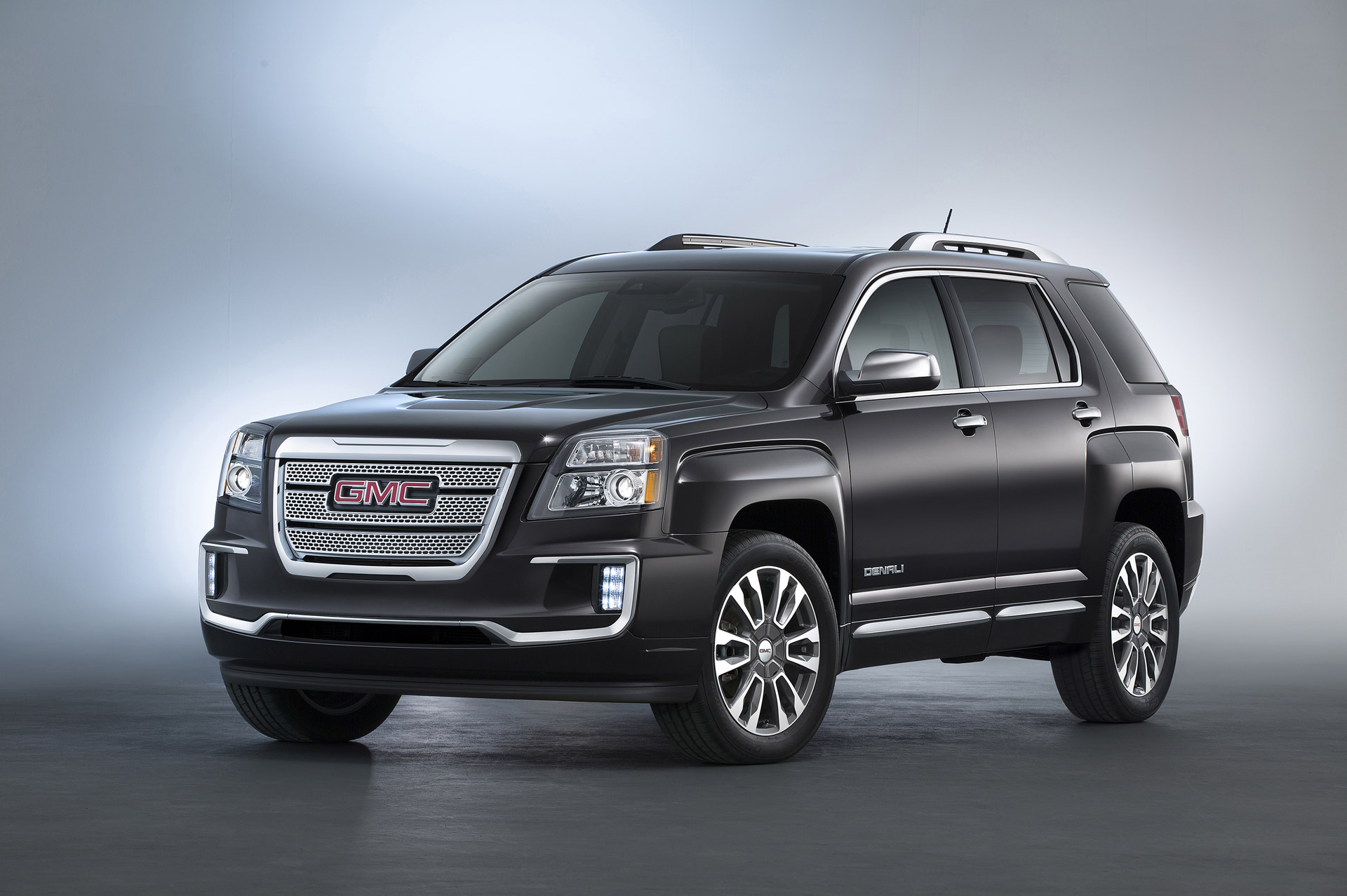 new and used gmc terrain prices photos reviews specs the car connection. Black Bedroom Furniture Sets. Home Design Ideas