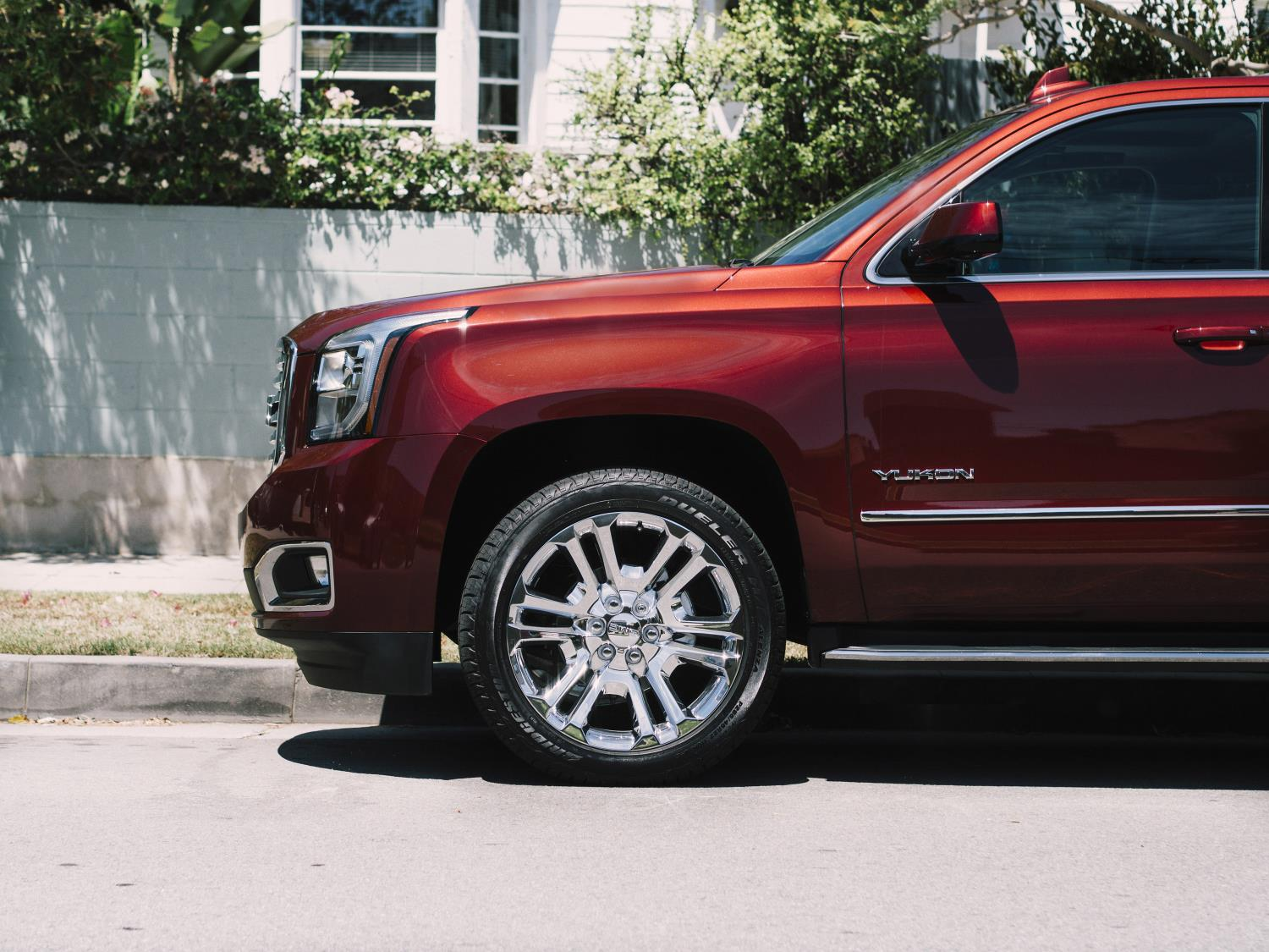 Solid State Battery >> GMC takes wraps off new Yukon SLT Premium Edition
