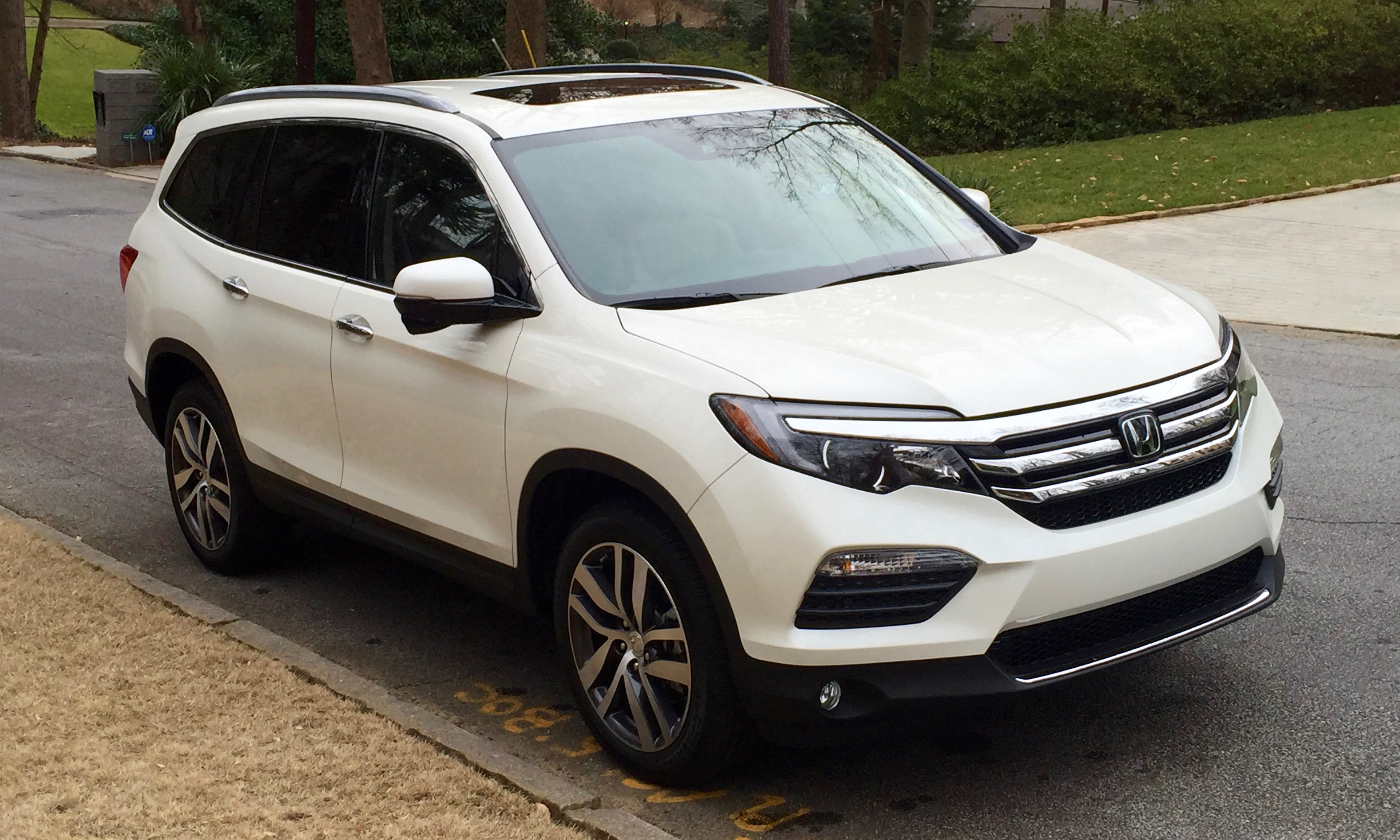 2016 honda pilot long term road test what do our for Honda pilot images