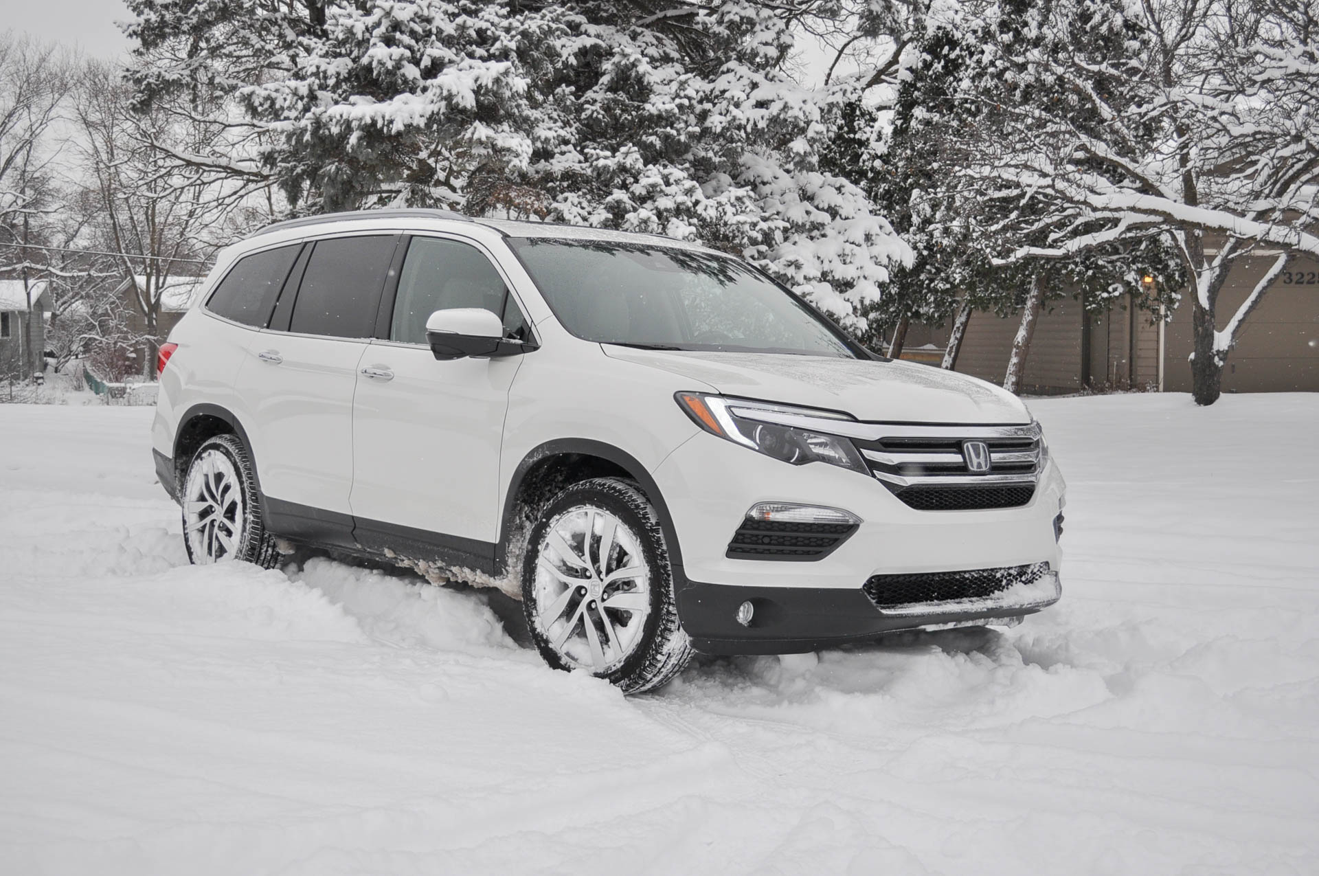 2016 honda pilot long term road test handling winter weather for Honda pilot images