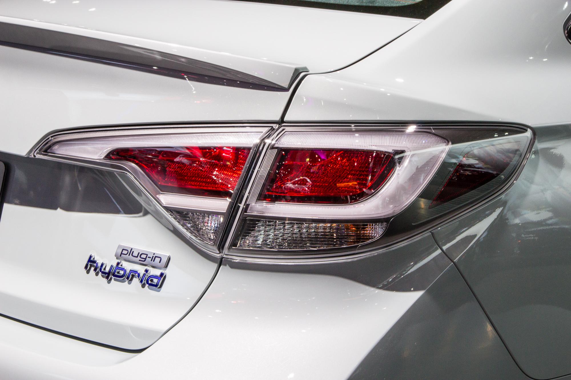 chevrolet bolt  tesla  honda electric car  hyundai sonata hybrid todays car news