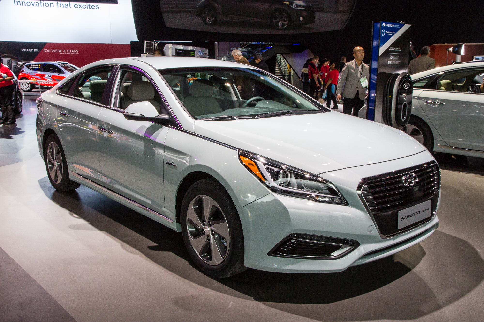 2016 Hyundai Sonata Plug In Hybrid Red 200 Interior And