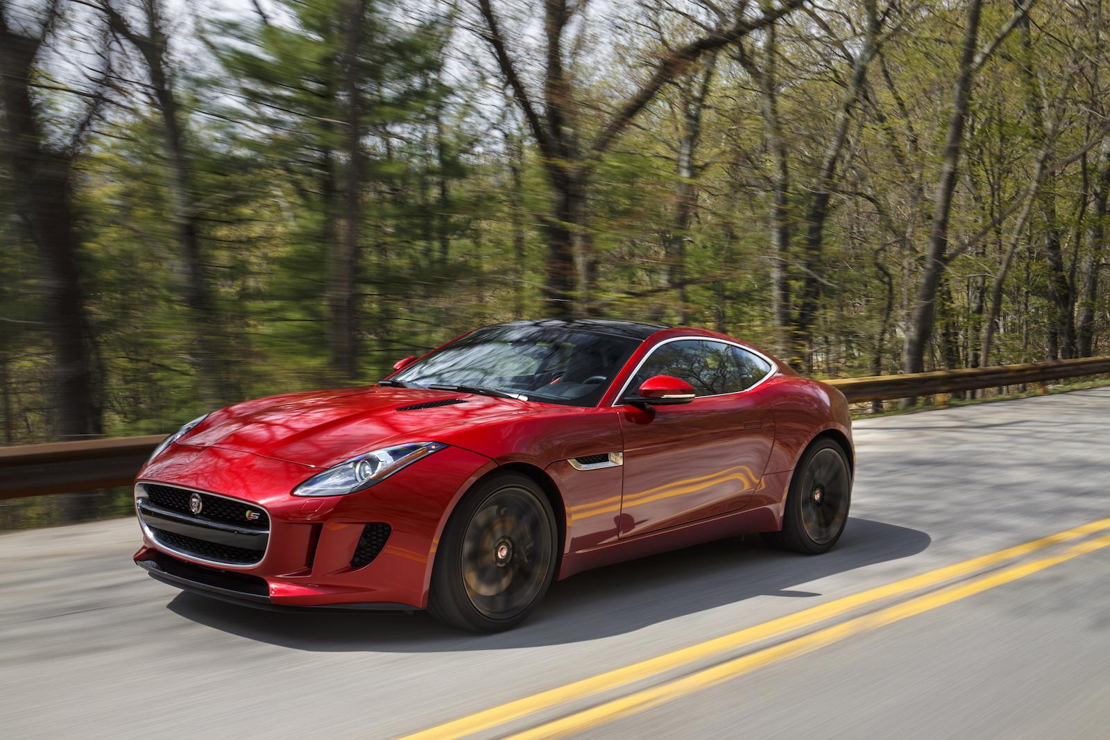 2016 jaguar f type safety review and crash test ratings the car connection. Black Bedroom Furniture Sets. Home Design Ideas