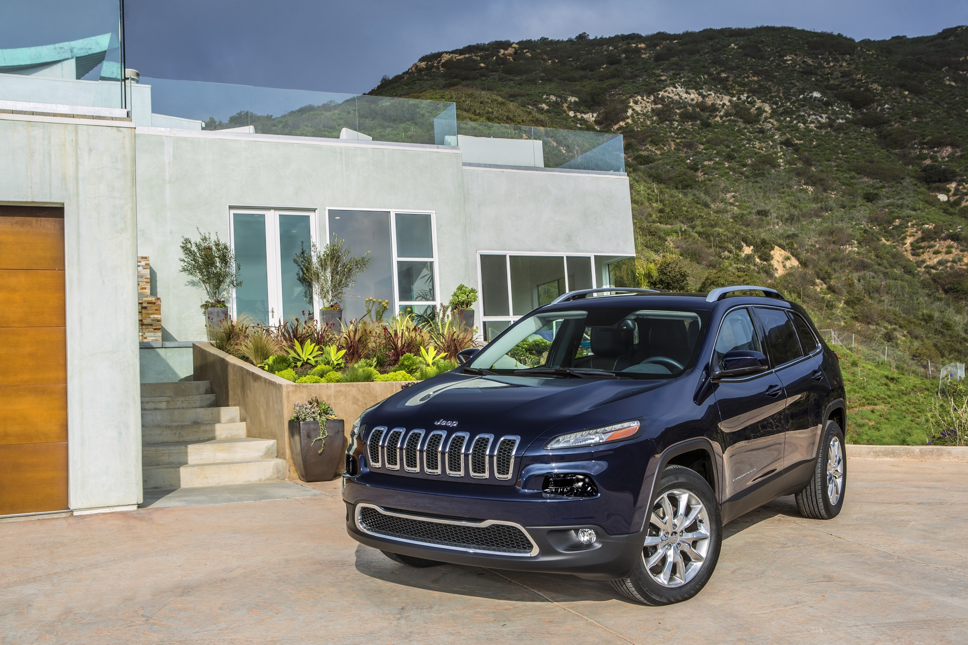 2016 jeep cherokee gas mileage the car connection. Black Bedroom Furniture Sets. Home Design Ideas