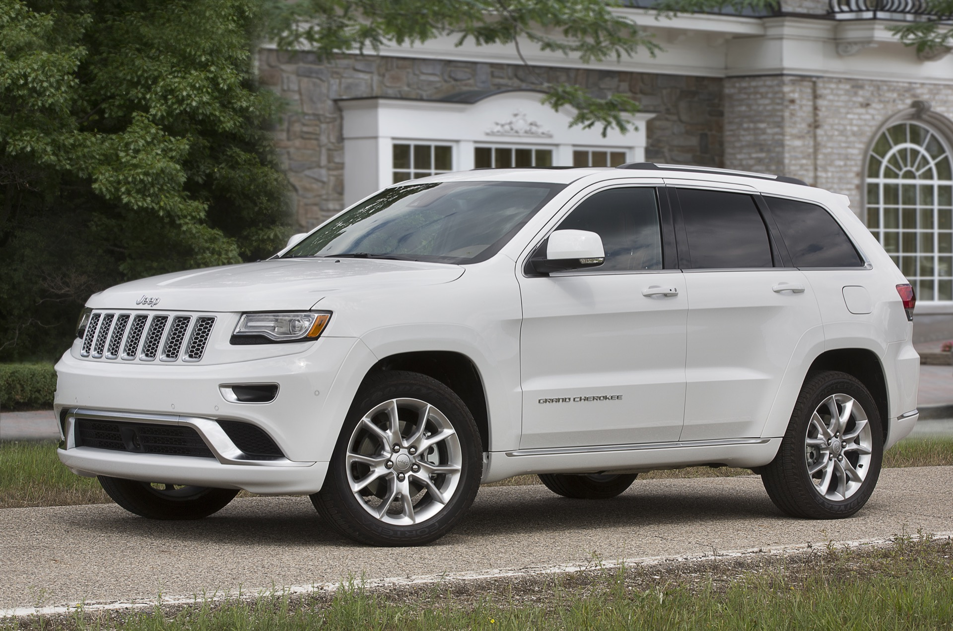 2016 jeep grand cherokee review ratings specs prices and photos the car connection. Black Bedroom Furniture Sets. Home Design Ideas