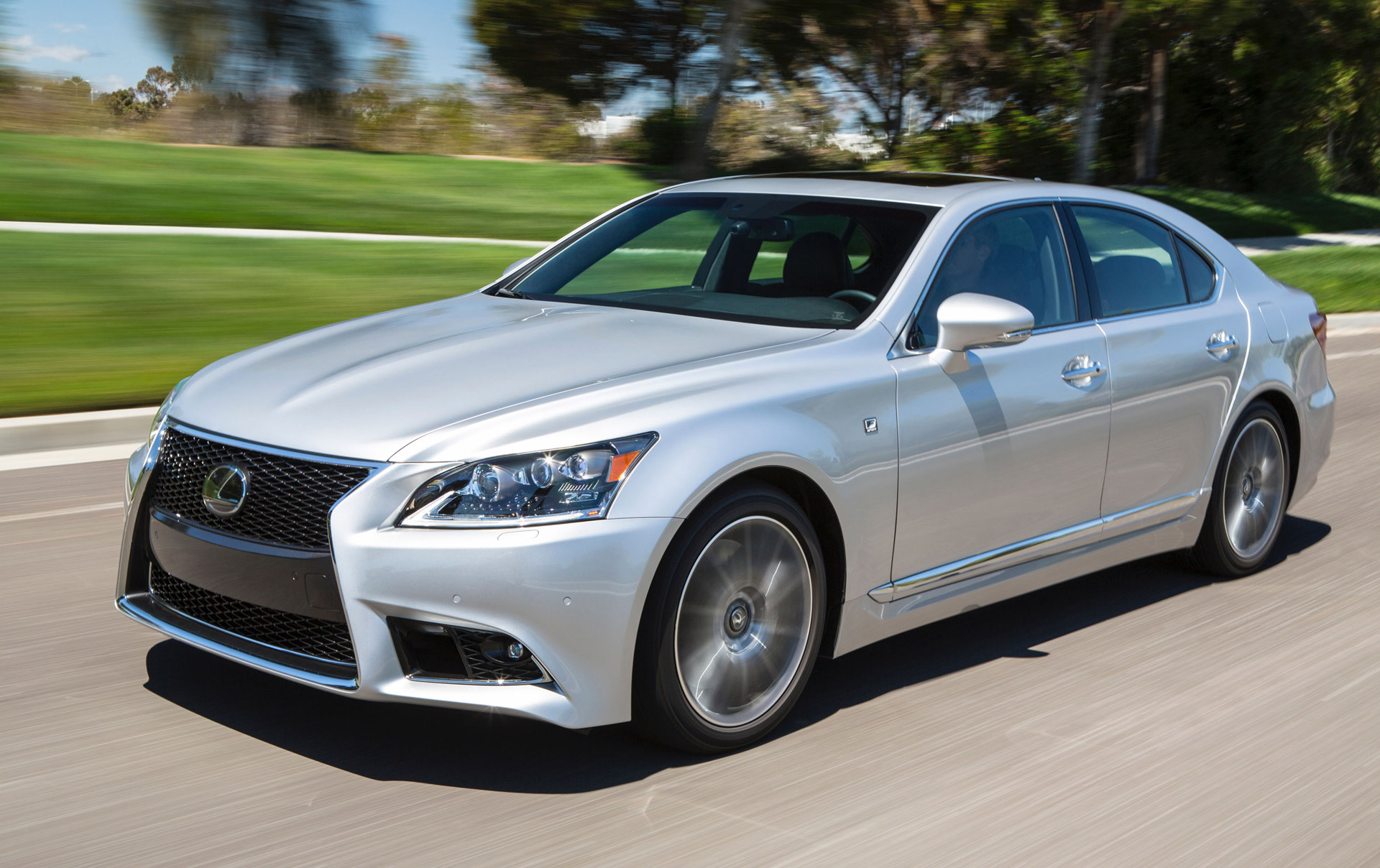 2016 lexus ls gets minor updates ahead of new model s arrival. Black Bedroom Furniture Sets. Home Design Ideas