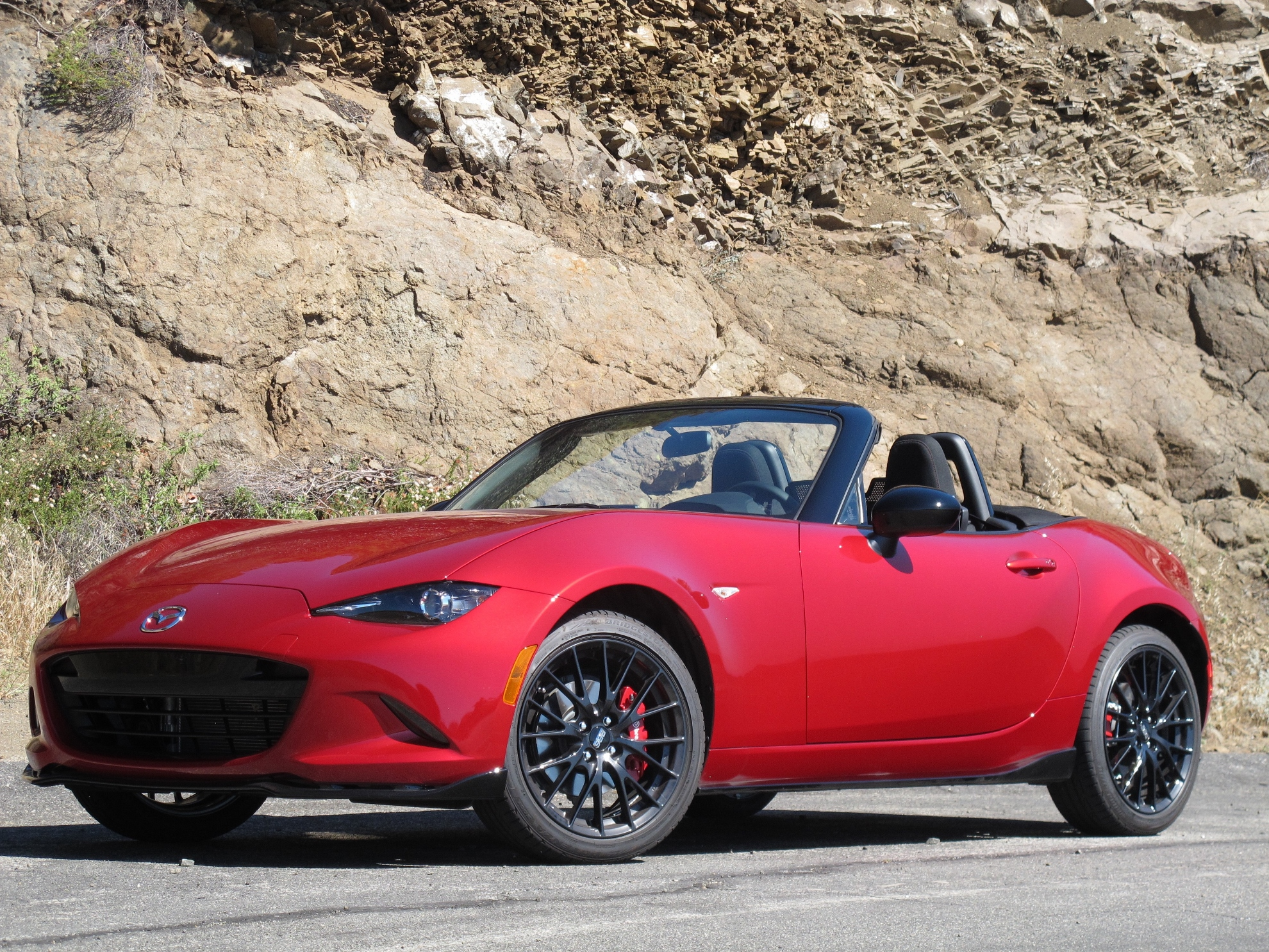 new and used mazda mx 5 miata prices photos reviews specs the car connection. Black Bedroom Furniture Sets. Home Design Ideas