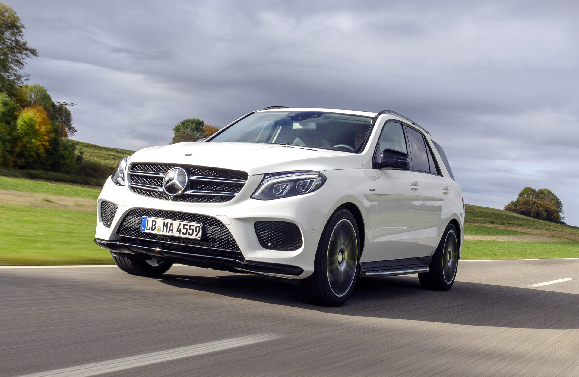 Bmw x5 vs mercedes benz gle class compare cars for Mercedes benz compare