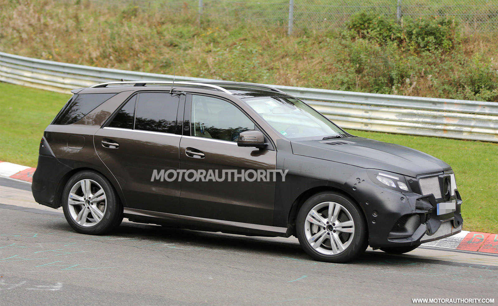2016 mercedes benz m class gle spy shots. Black Bedroom Furniture Sets. Home Design Ideas