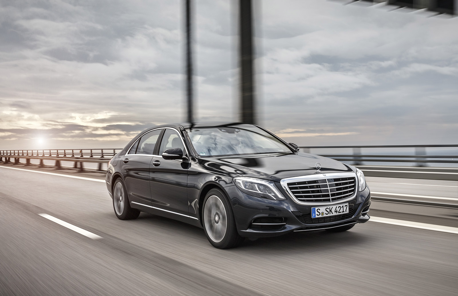 Luxury plug in hybrids may be a mistake says german for Mercedes benz hybrids