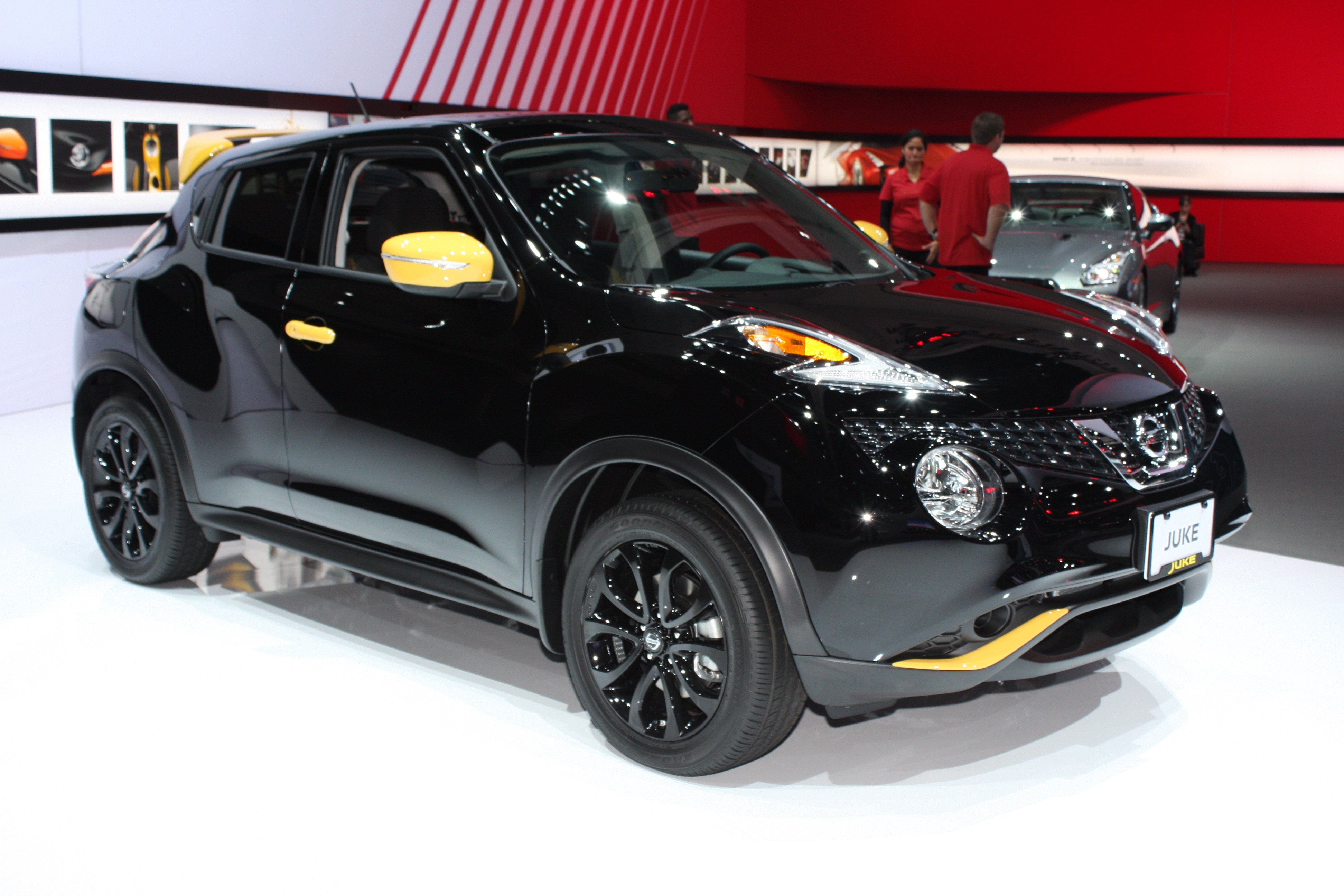 2016 nissan juke gets stinger edition personalization package. Black Bedroom Furniture Sets. Home Design Ideas