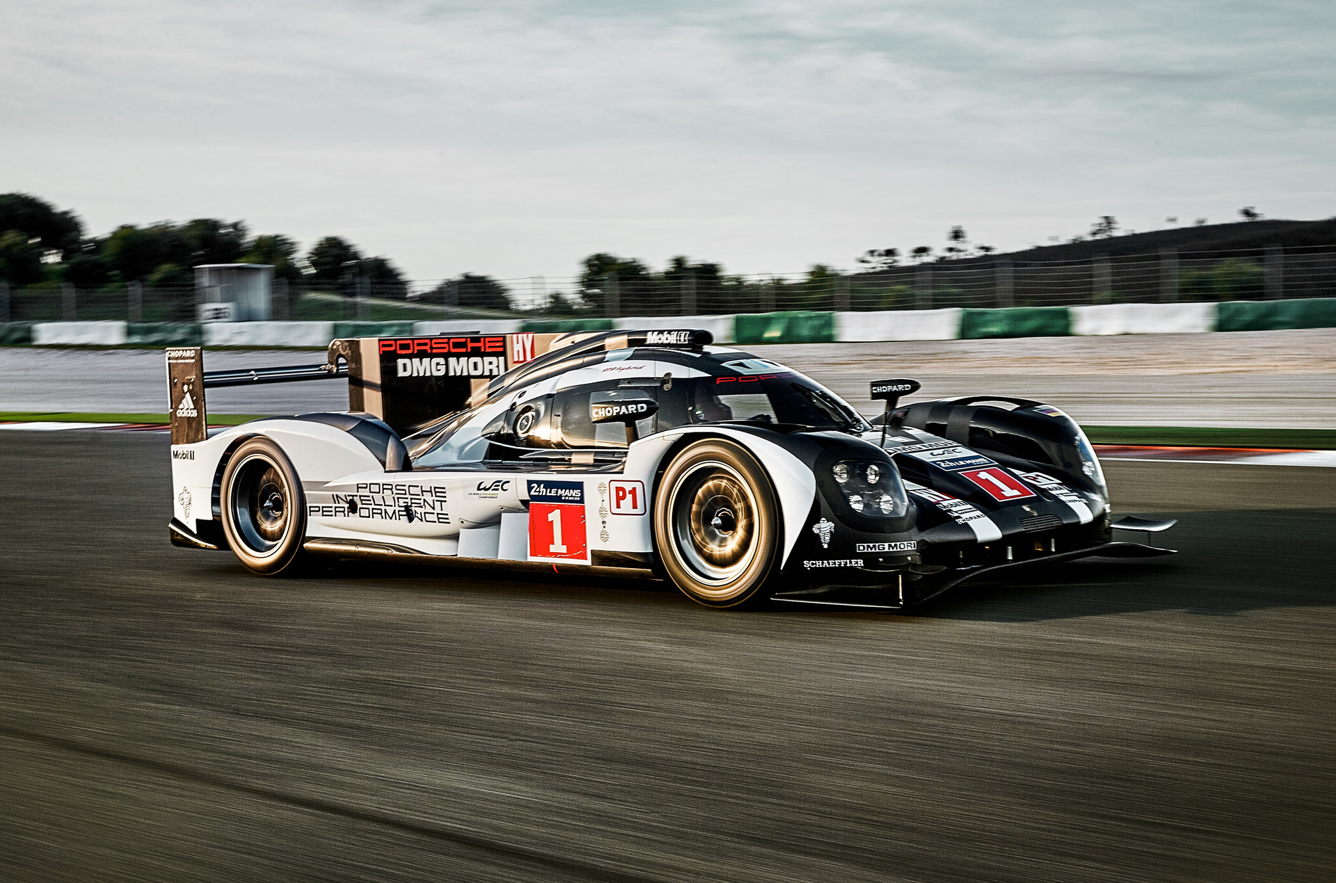 2016 porsche 919 hybrid le mans prototype revealed. Black Bedroom Furniture Sets. Home Design Ideas