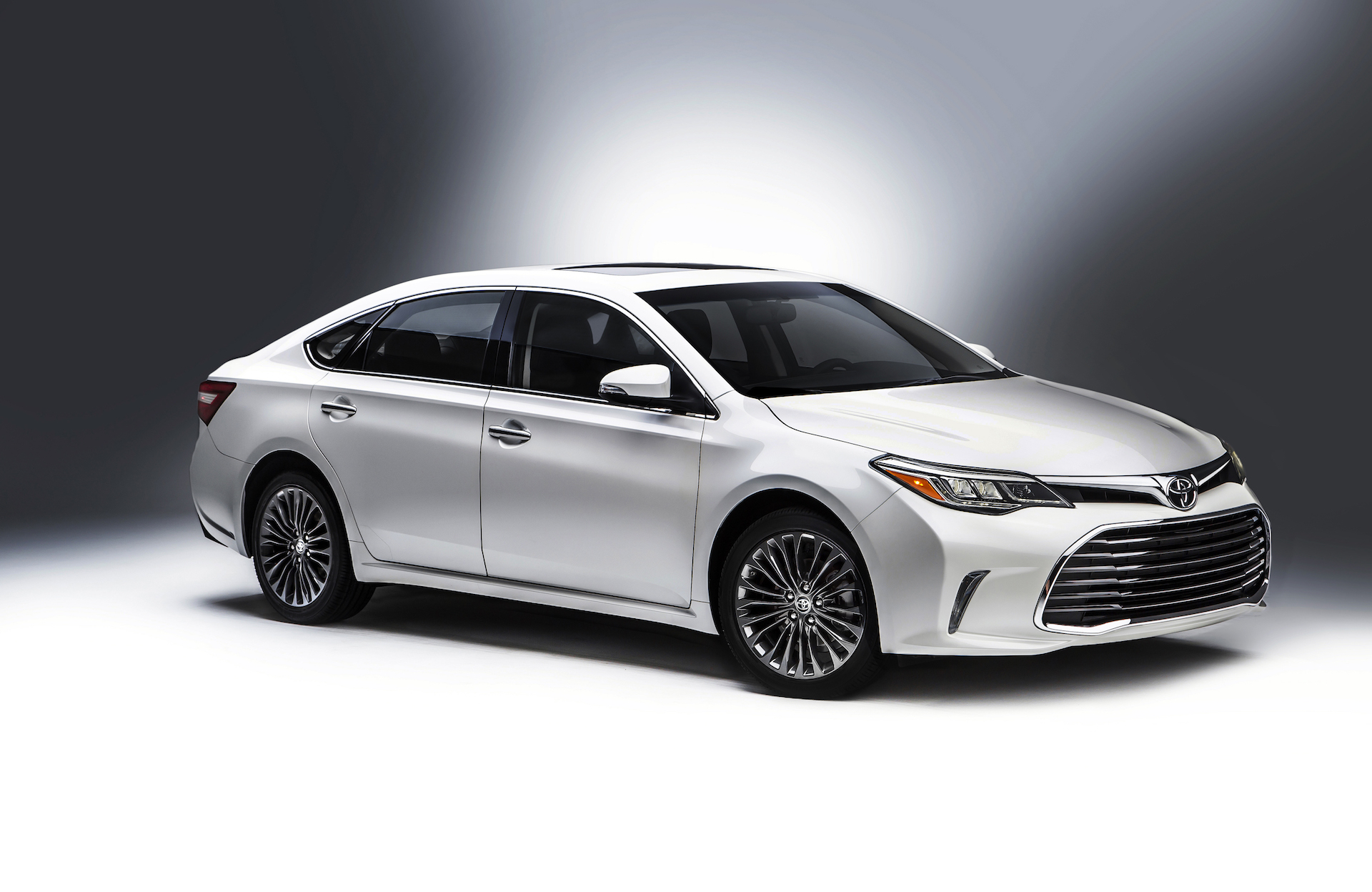 2016 toyota avalon styling review   the car connection