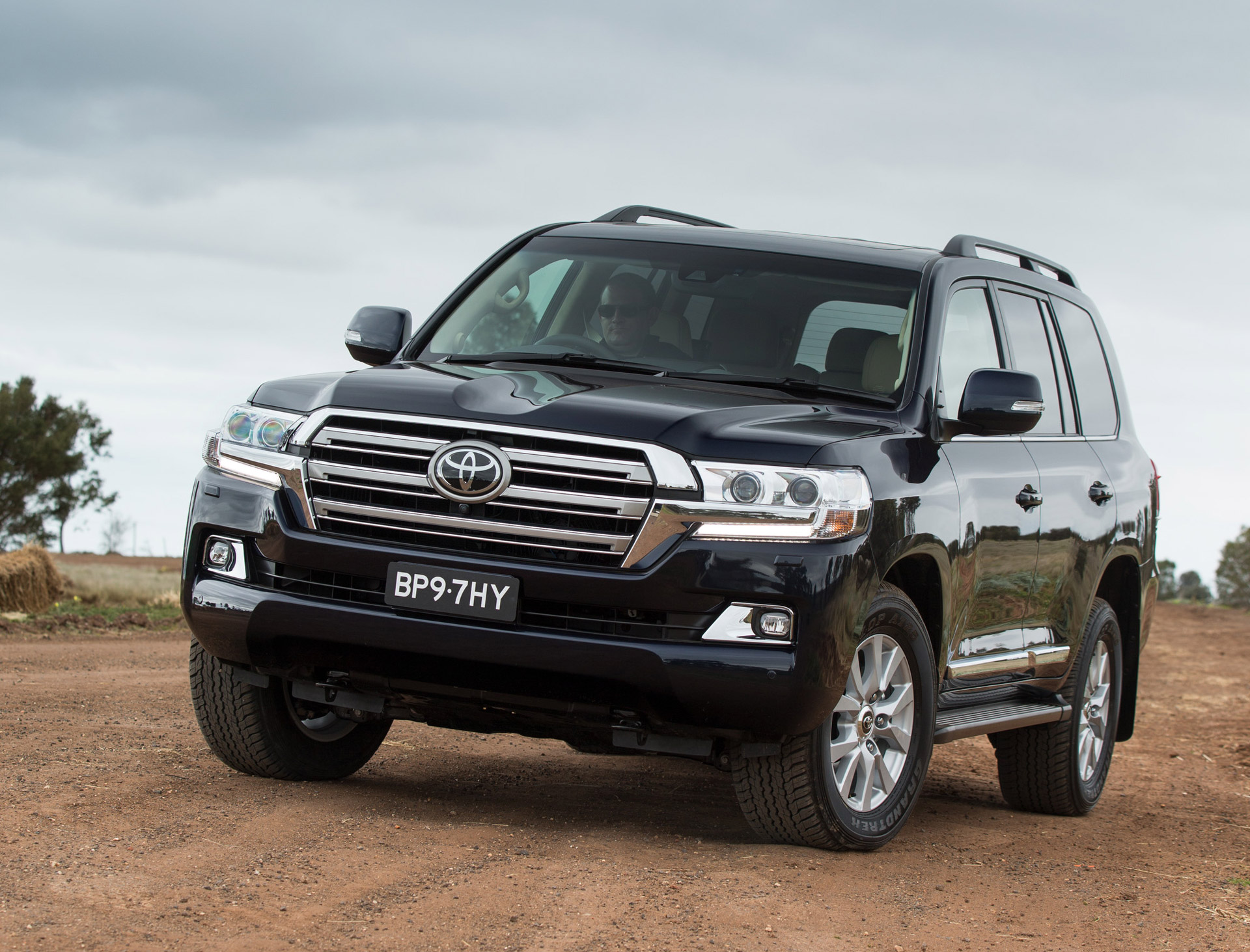 2016 Toyota Land Cruiser Preview: Video