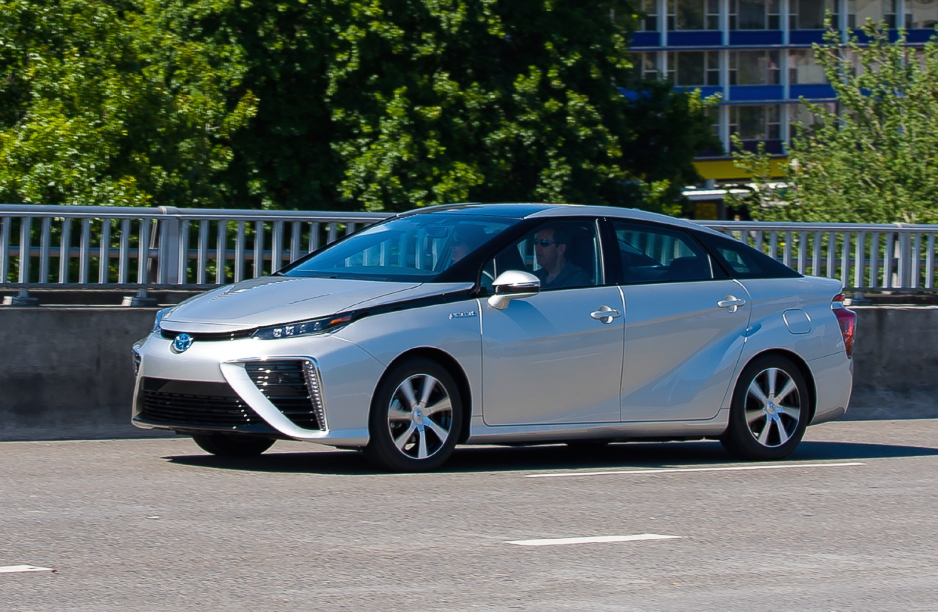 Toyota Mirai Seeks To Reclaim Green Image From Tesla Sans