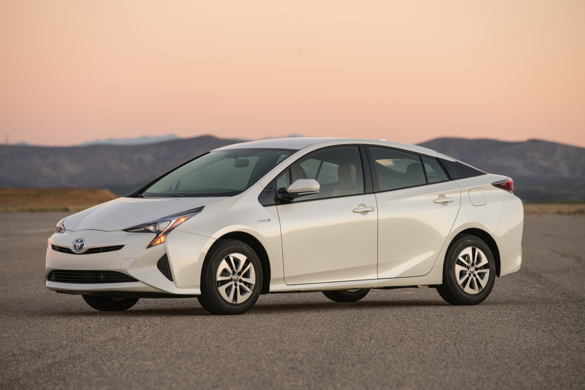 2016 Toyota Prius First Drive Video