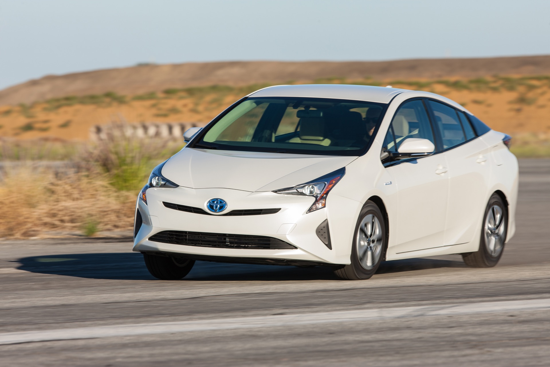 2016 toyota prius lower price higher mpg adds up to even better value. Black Bedroom Furniture Sets. Home Design Ideas
