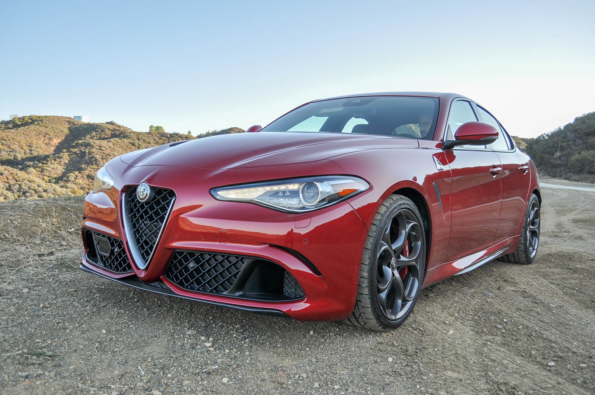 10 things you need to know about the 2017 alfa romeo giulia quadrifoglio news about cool cars. Black Bedroom Furniture Sets. Home Design Ideas