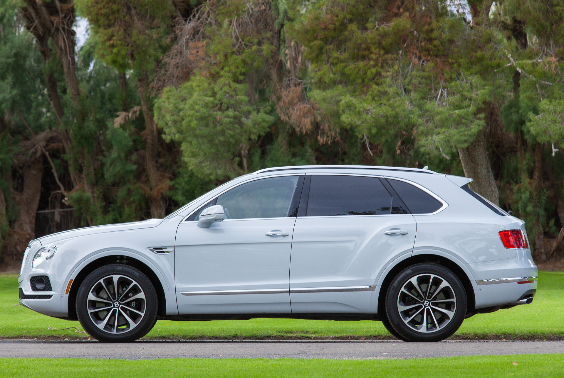 Bentley might go EV route for second SUV