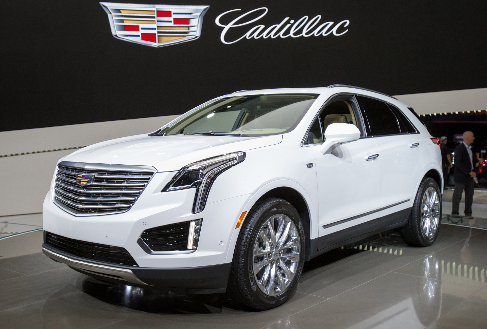 2017 cadillac xt5 preview. Black Bedroom Furniture Sets. Home Design Ideas