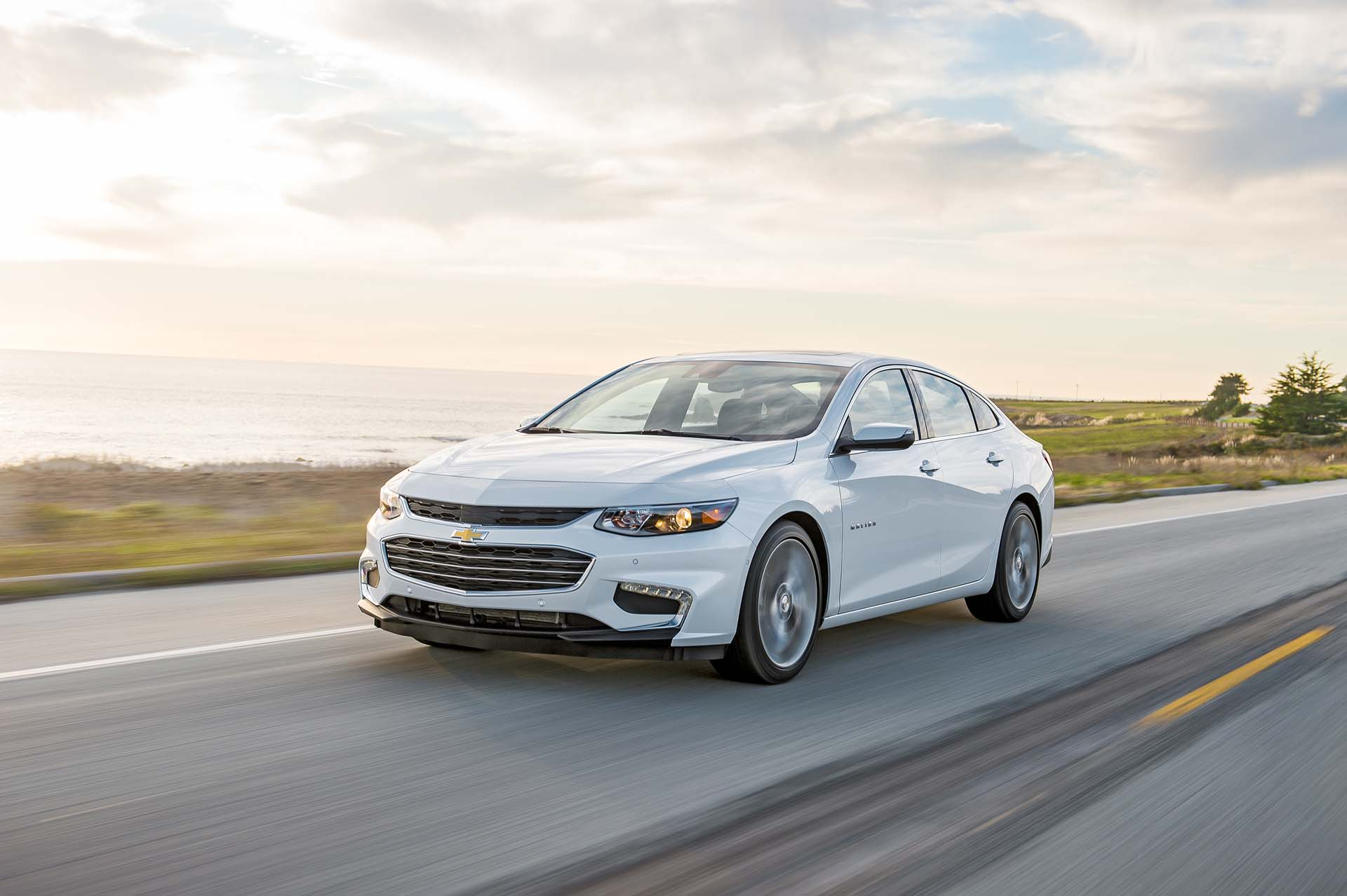 new and used chevrolet malibu chevy prices photos reviews specs the car connection. Black Bedroom Furniture Sets. Home Design Ideas