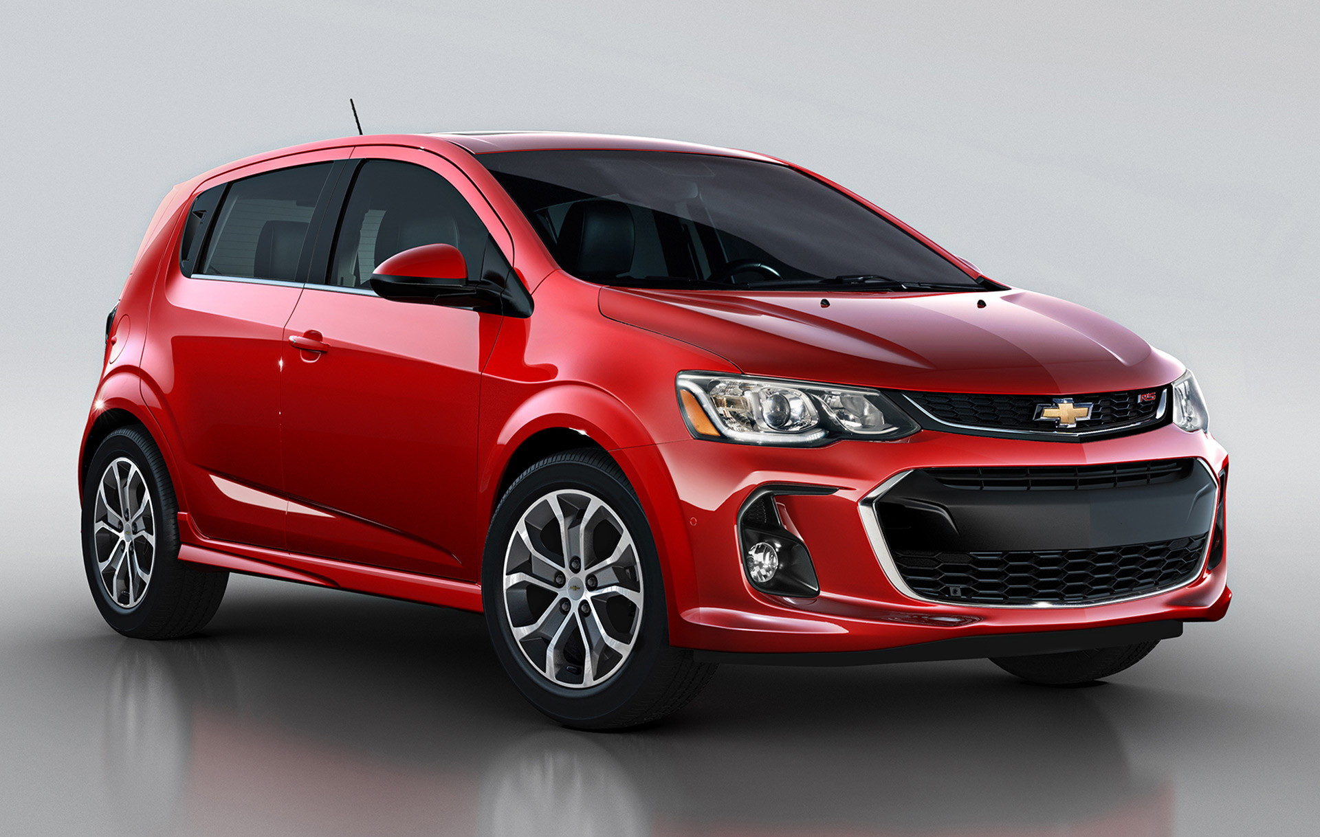2017 chevrolet sonic updated with carplay new styling. Black Bedroom Furniture Sets. Home Design Ideas
