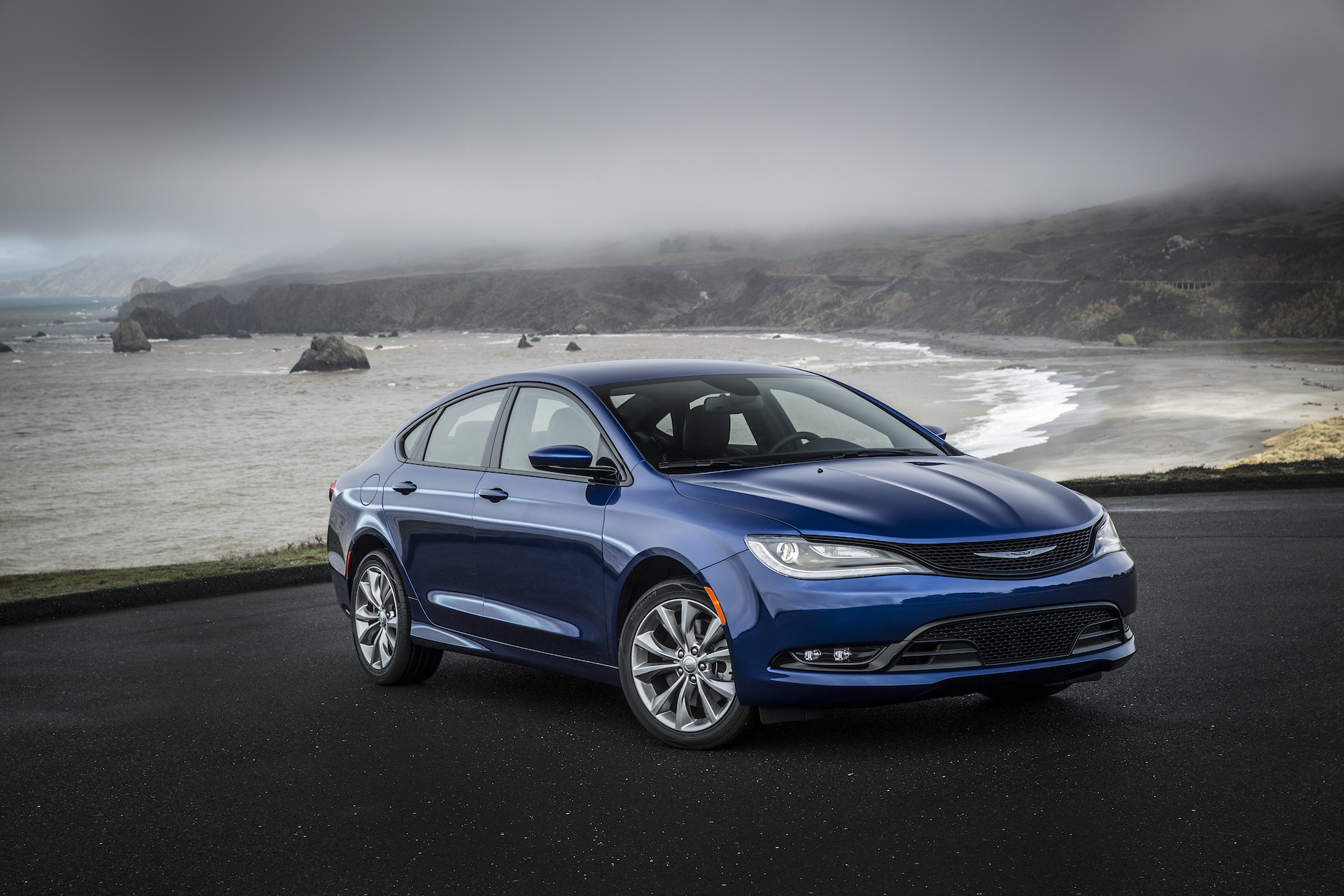 2017 Chrysler 200 Review, Ratings, Specs, Prices, and ...