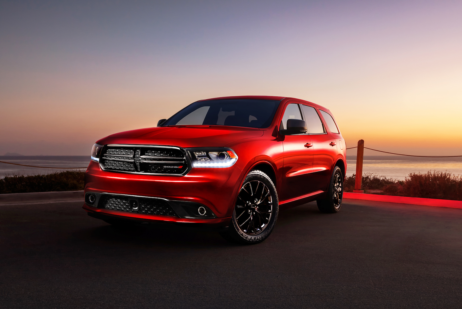 2017 dodge durango safety review and crash test ratings the car connection. Black Bedroom Furniture Sets. Home Design Ideas