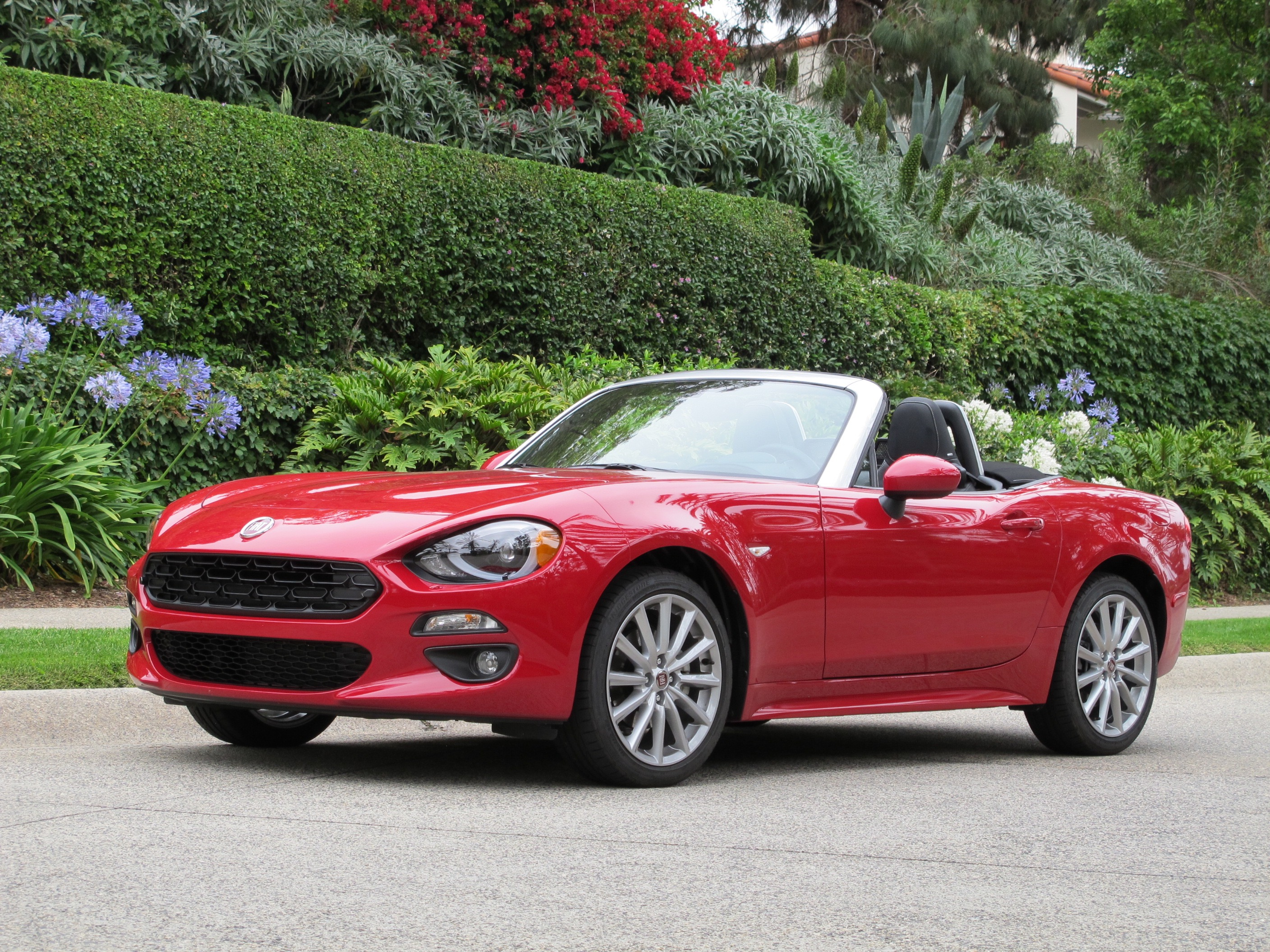 8 ways the fiat 124 spider differs from the mazda miata for Fiat 124 spider motor