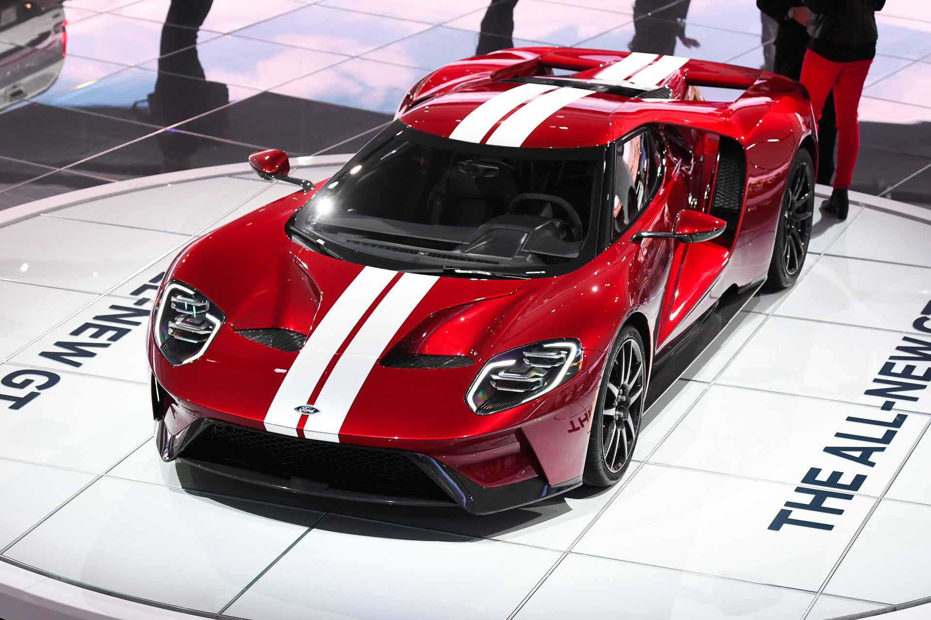 2017 Ford Gt Confirmed With 647 Hp 216 Mph Top Speed