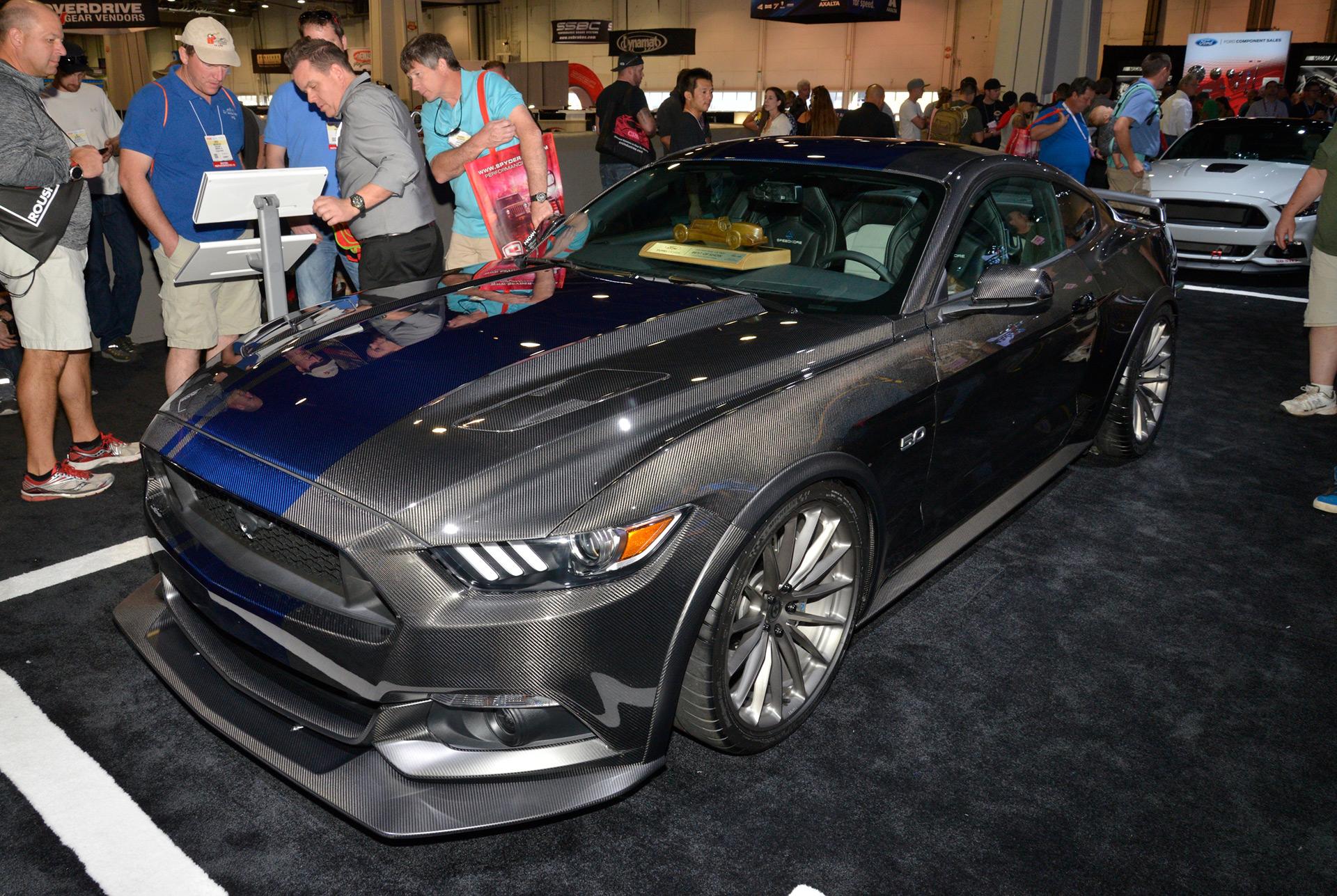 ford mustang voted hottest coupe of 2016 sema show. Black Bedroom Furniture Sets. Home Design Ideas