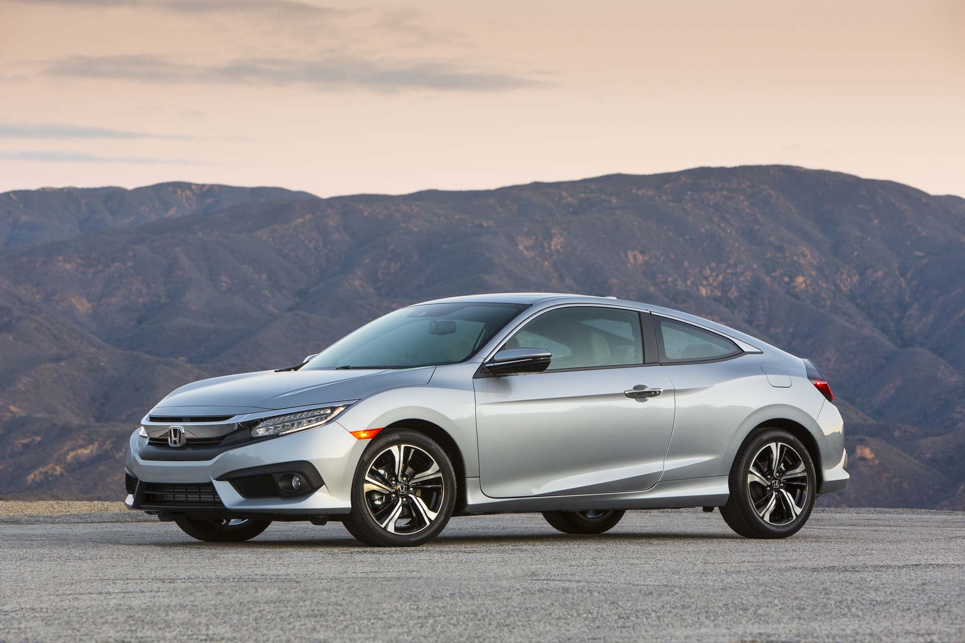 The tenth generation honda civic has a seriously cool for Cool honda civic