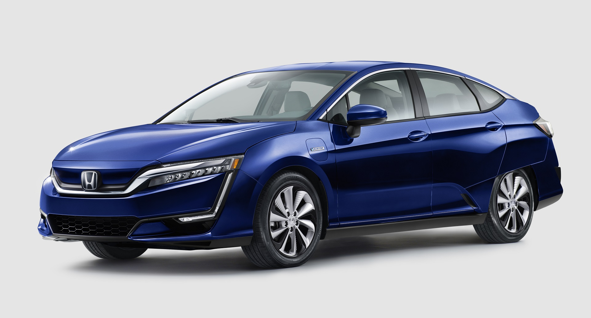 honda clarity electric plug in hybrid sedans revealed at. Black Bedroom Furniture Sets. Home Design Ideas