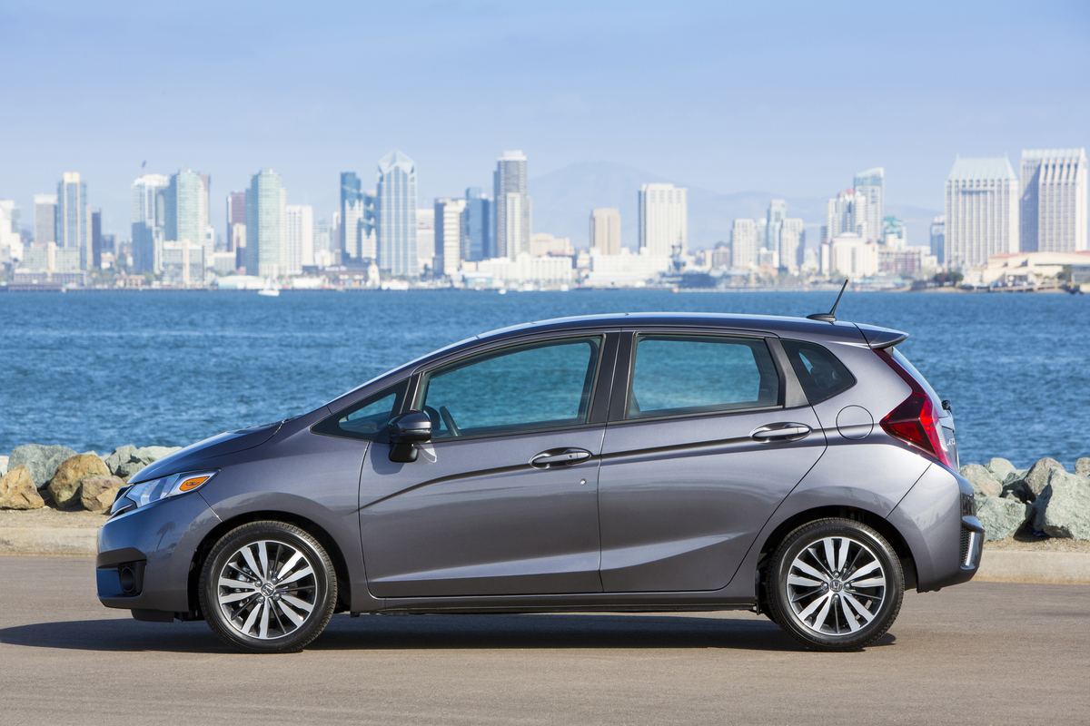 2017 Honda Fit Vs 2017 Hyundai Accent Compare Cars
