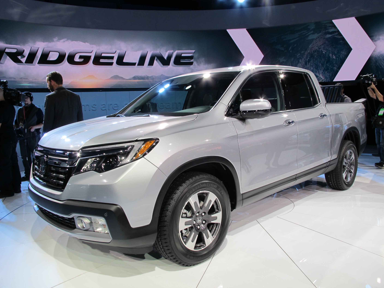 2017 Honda Ridgeline Debuts At Detroit Auto Show: Live Photos And ...