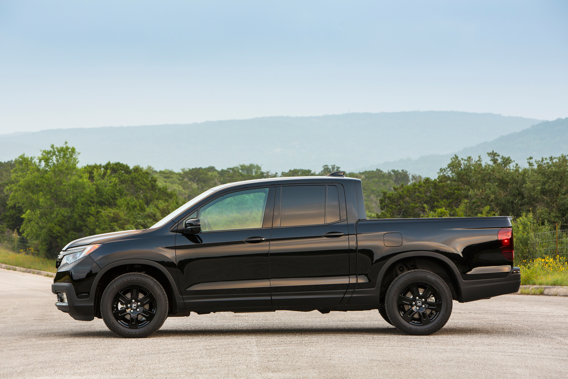 2017 honda ridgeline review ratings specs prices and photos the car connection. Black Bedroom Furniture Sets. Home Design Ideas