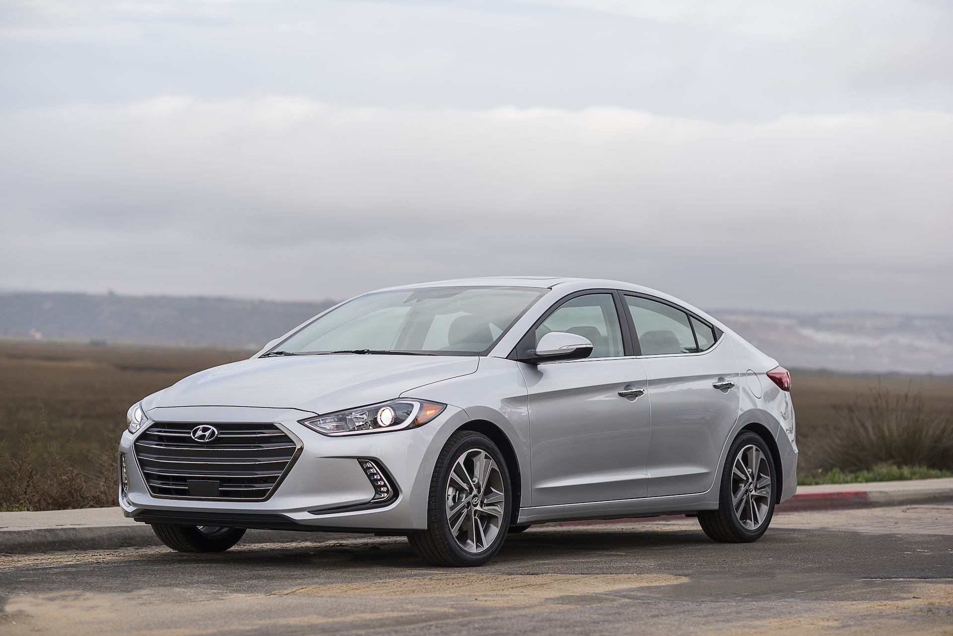 2017 hyundai elantra review ratings specs prices and. Black Bedroom Furniture Sets. Home Design Ideas