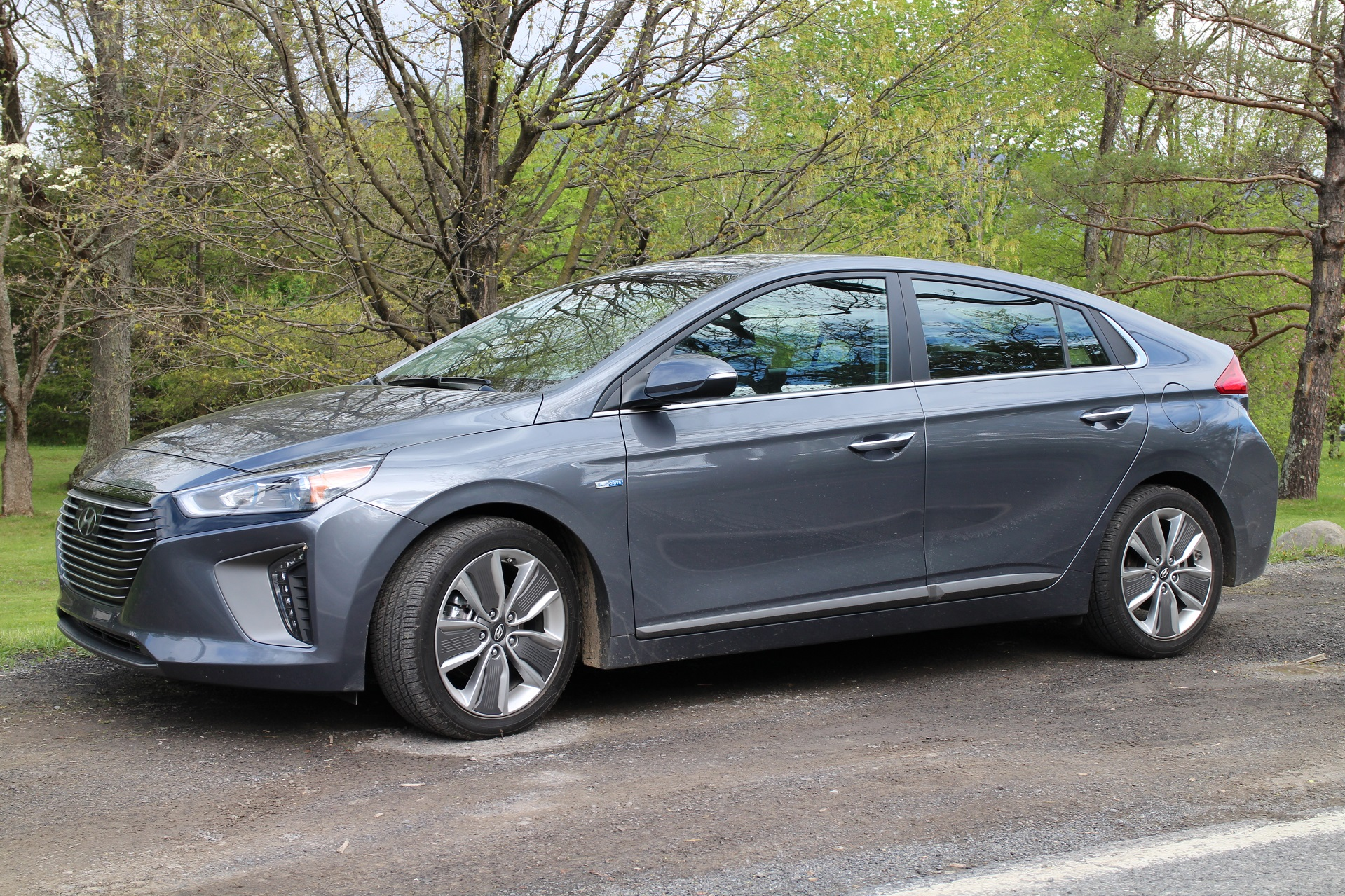 2017 Hyundai Ioniq Hybrid Gas Mileage Review