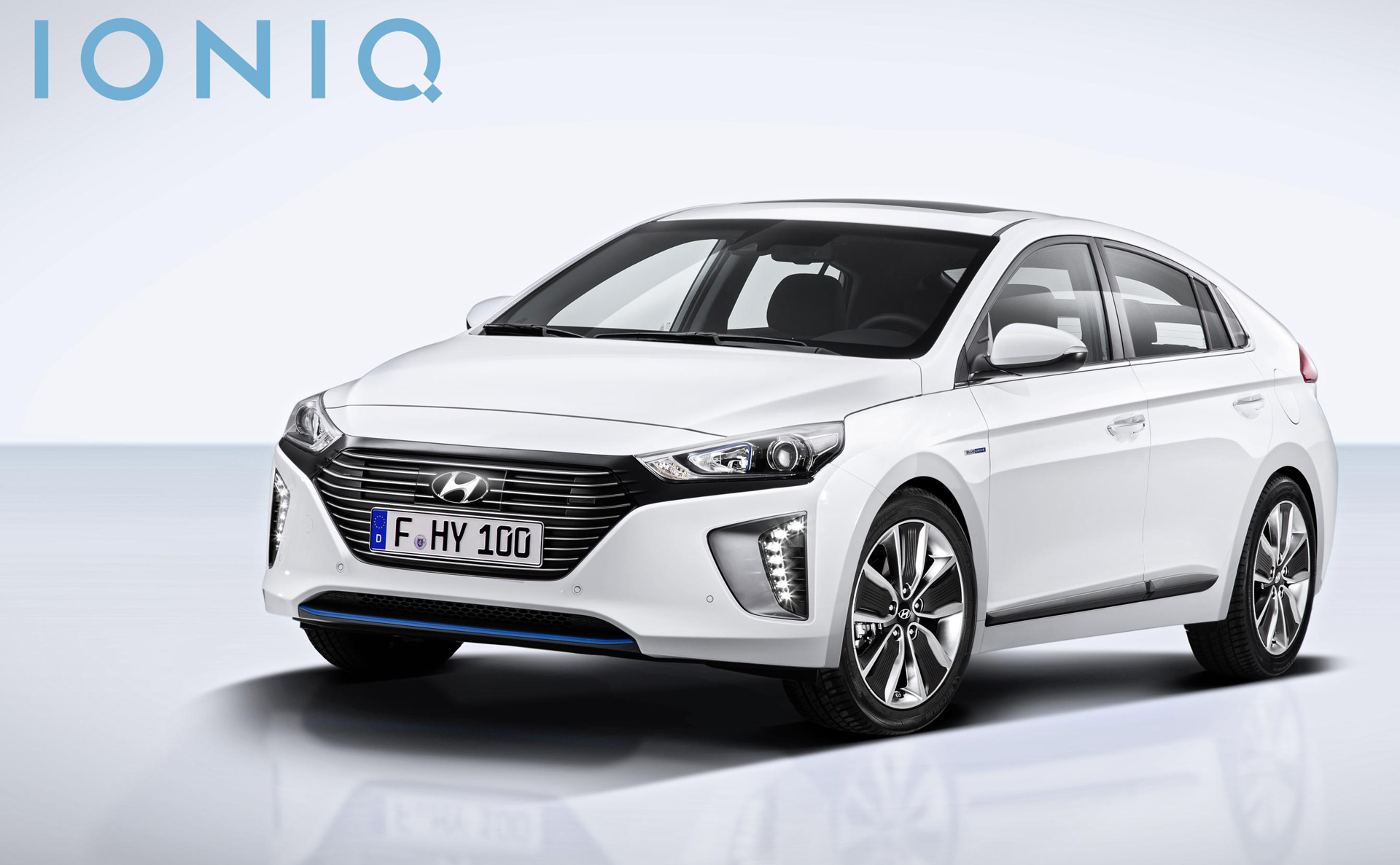 2017 hyundai ioniq more photos details of hybrid model updated. Black Bedroom Furniture Sets. Home Design Ideas