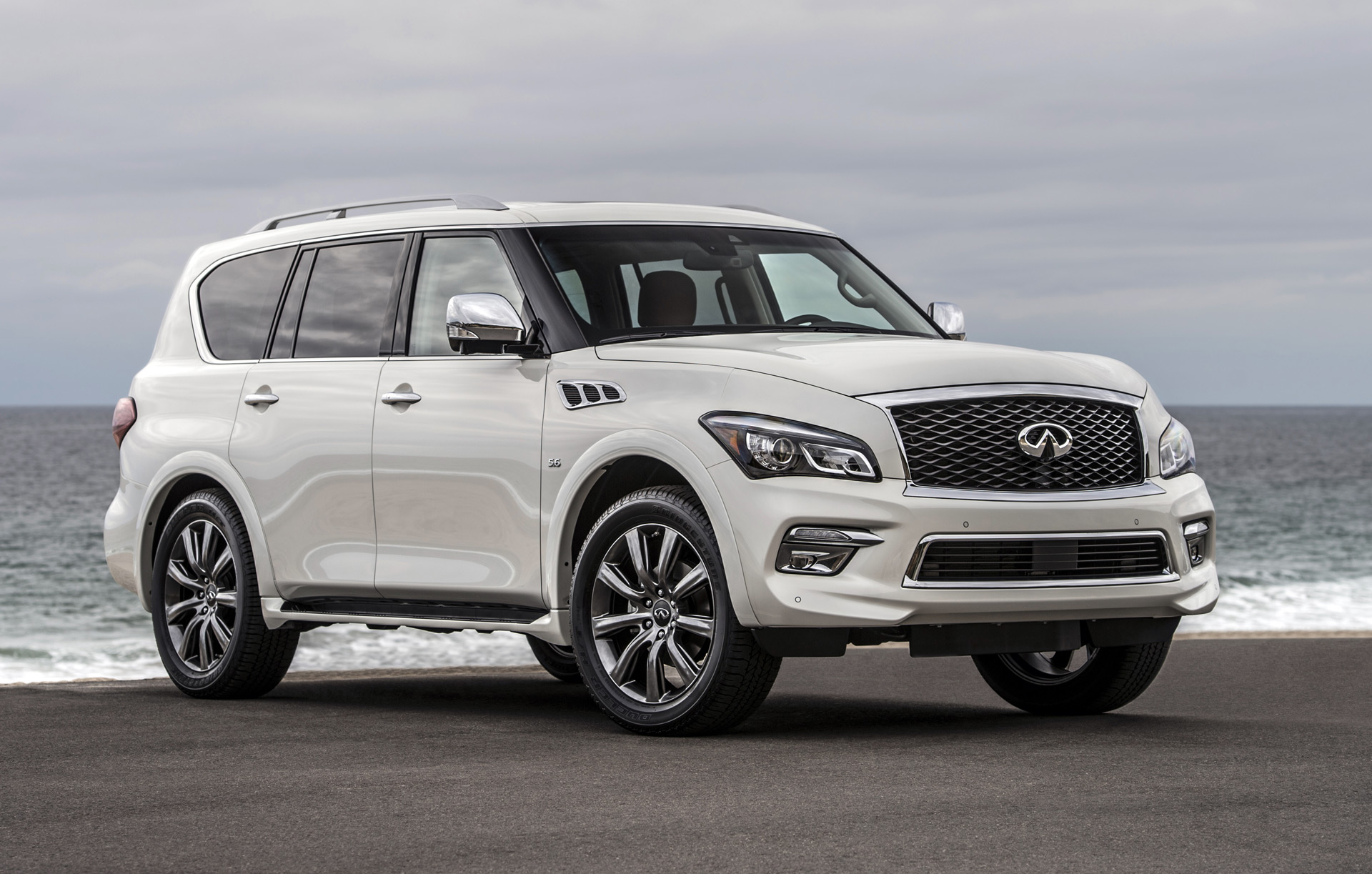 Bmw Of Fresno >> 2017 INFINITI QX80 Safety Review and Crash Test Ratings - The Car Connection