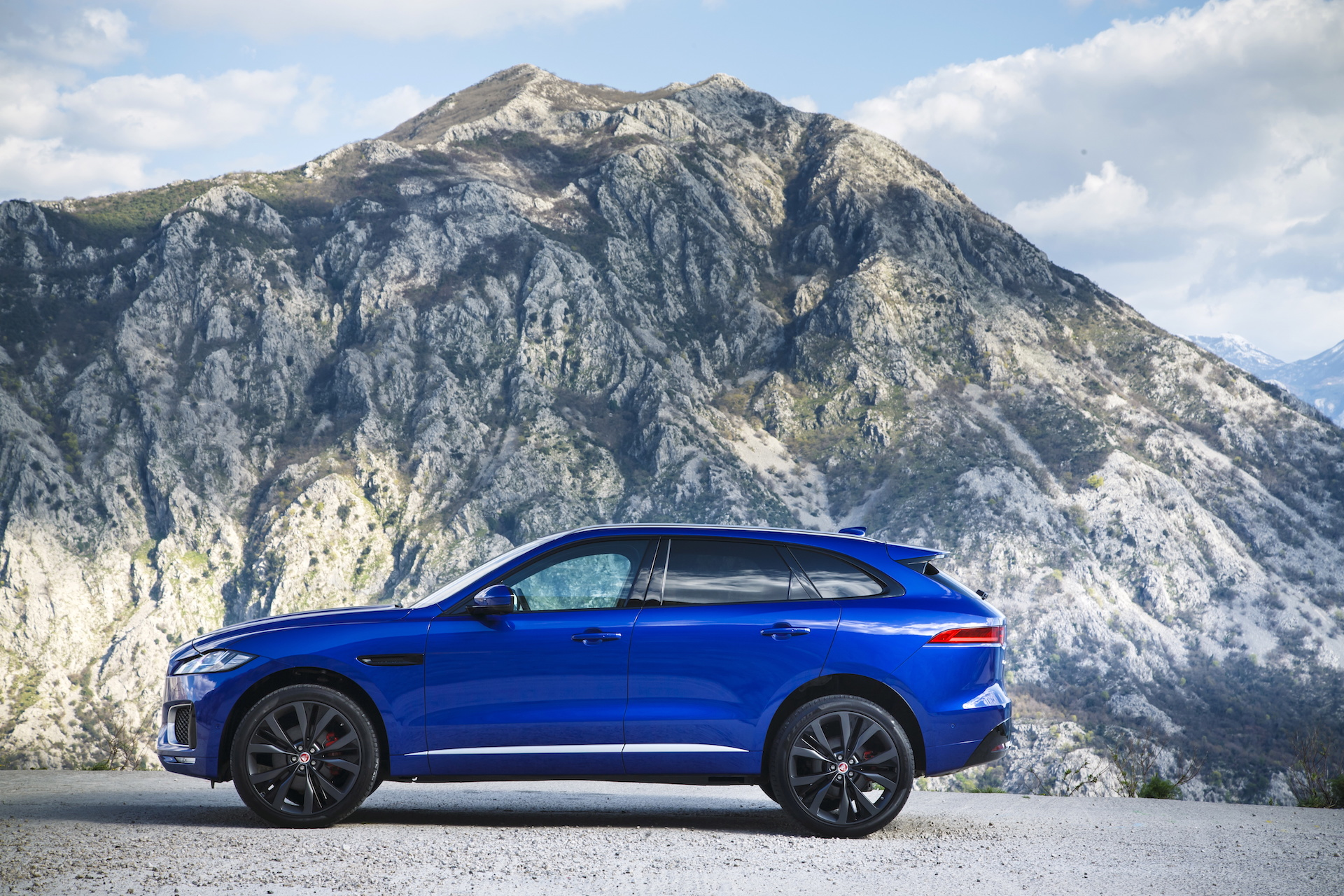 2017 jaguar f pace review ratings specs prices and. Black Bedroom Furniture Sets. Home Design Ideas