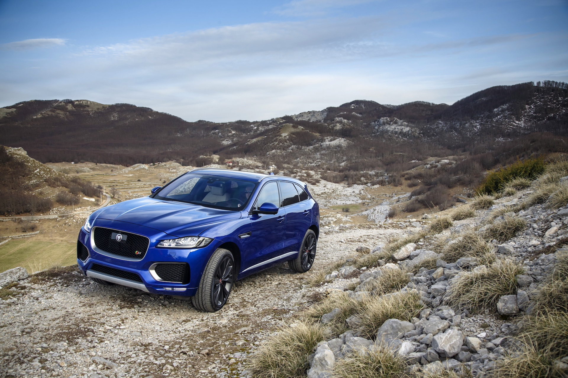 2017 Jaguar F Pace Review Ratings Specs Prices And Photos The Car Connection