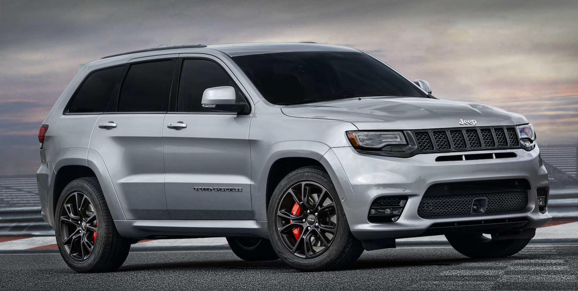 we now know what the hellcat powered jeep grand cherokee looks like. Black Bedroom Furniture Sets. Home Design Ideas