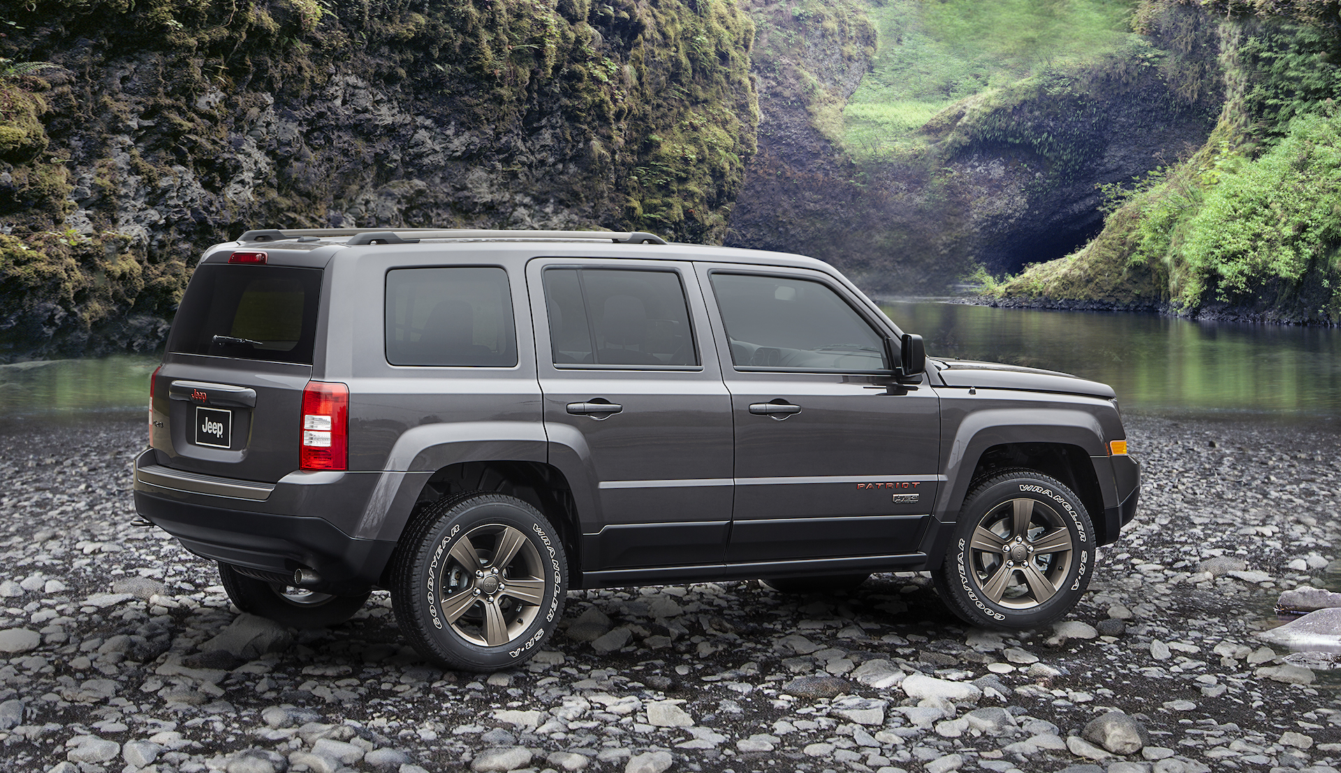 2017 jeep patriot review ratings specs prices and. Black Bedroom Furniture Sets. Home Design Ideas