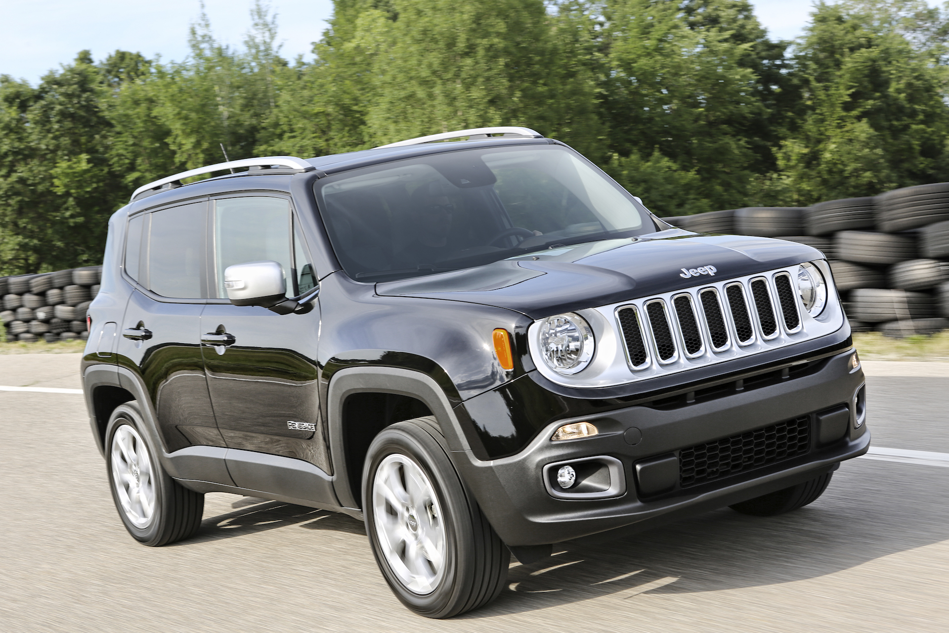 2017 jeep renegade review ratings specs prices and photos the car connection. Black Bedroom Furniture Sets. Home Design Ideas